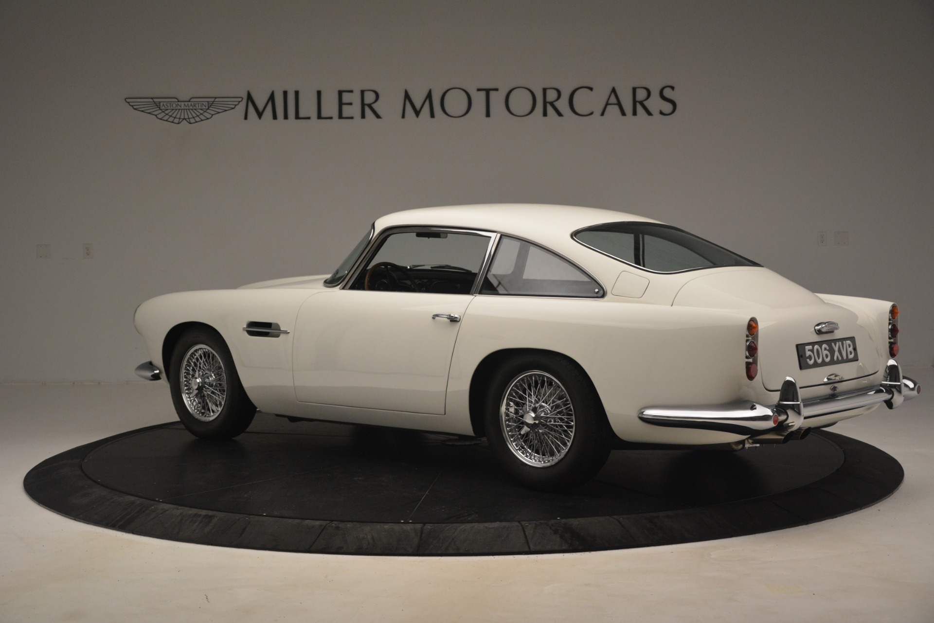 Used 1961 Aston Martin DB4 Series IV Coupe For Sale In Greenwich, CT 3186_p4