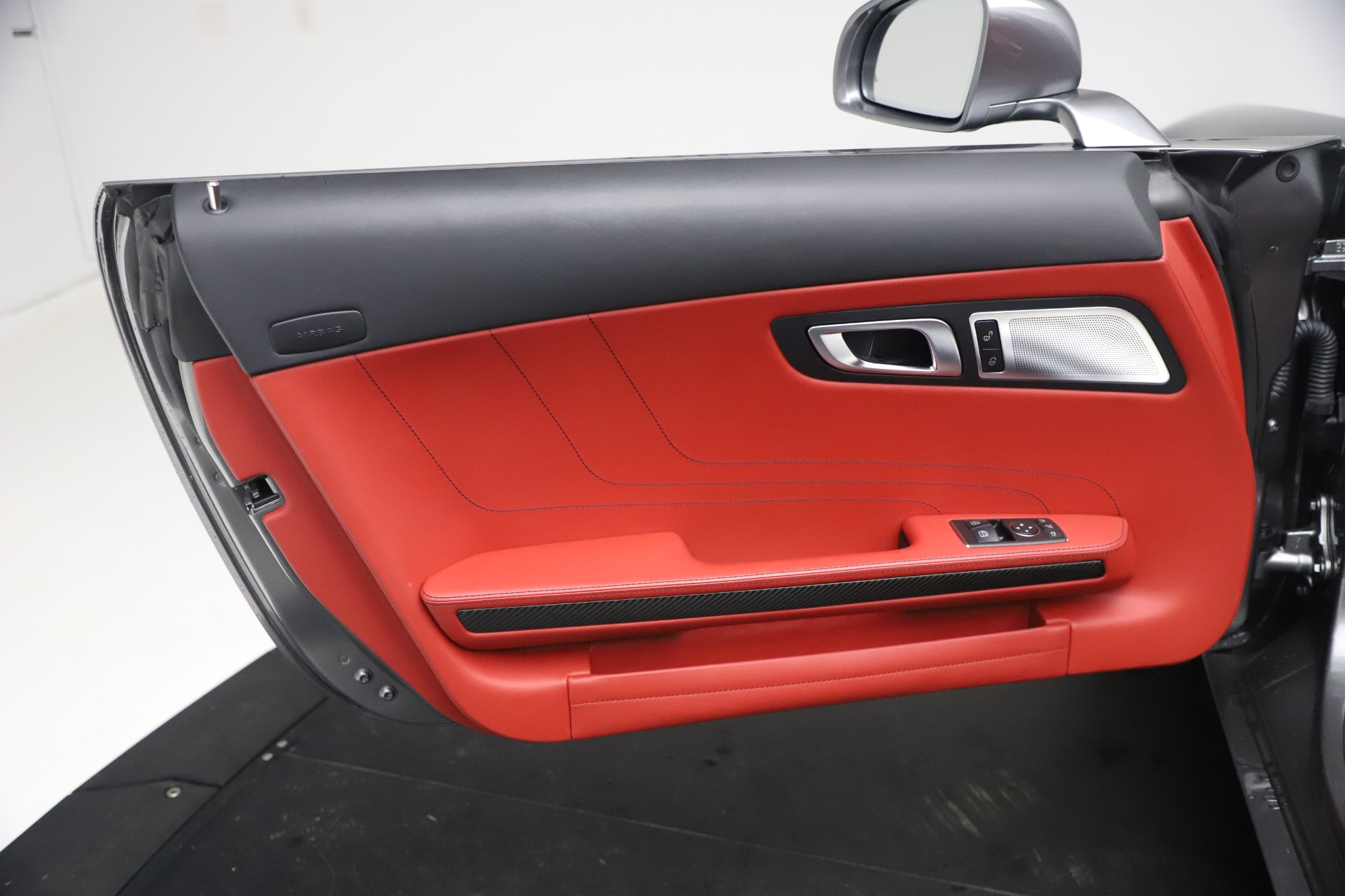 Used 2012 Mercedes-Benz SLS AMG  For Sale In Greenwich, CT 3189_p25