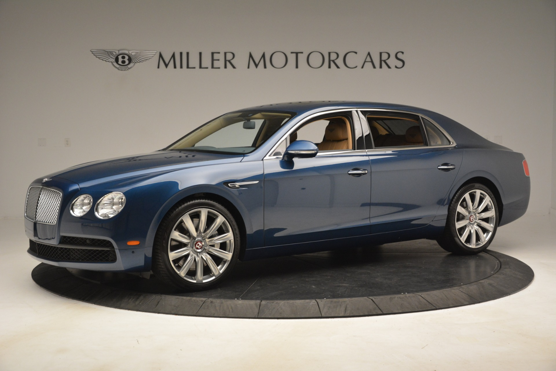 Used 2016 Bentley Flying Spur V8 For Sale In Greenwich, CT 3195_p2