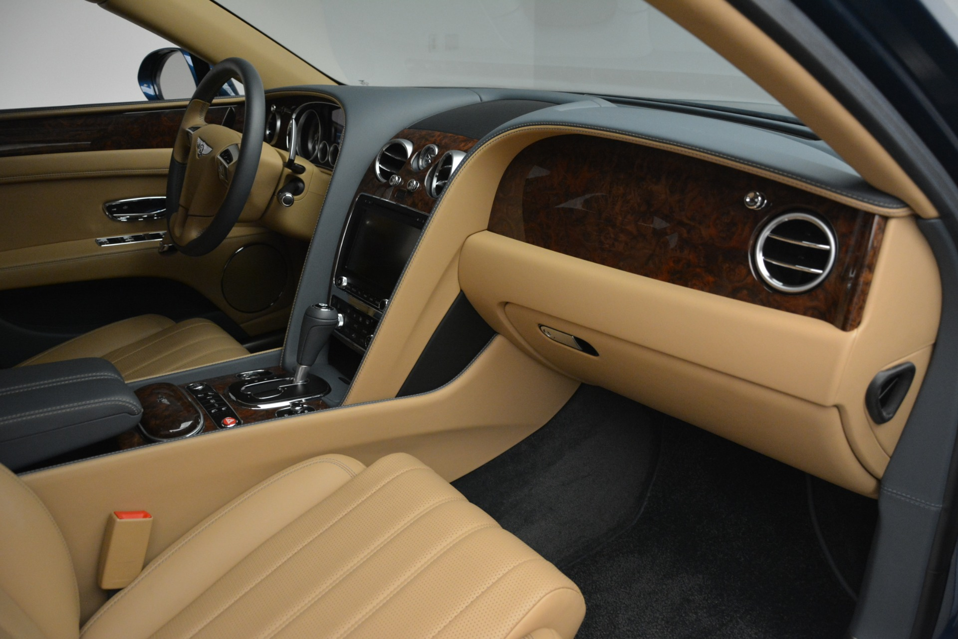 Used 2016 Bentley Flying Spur V8 For Sale In Greenwich, CT 3195_p30