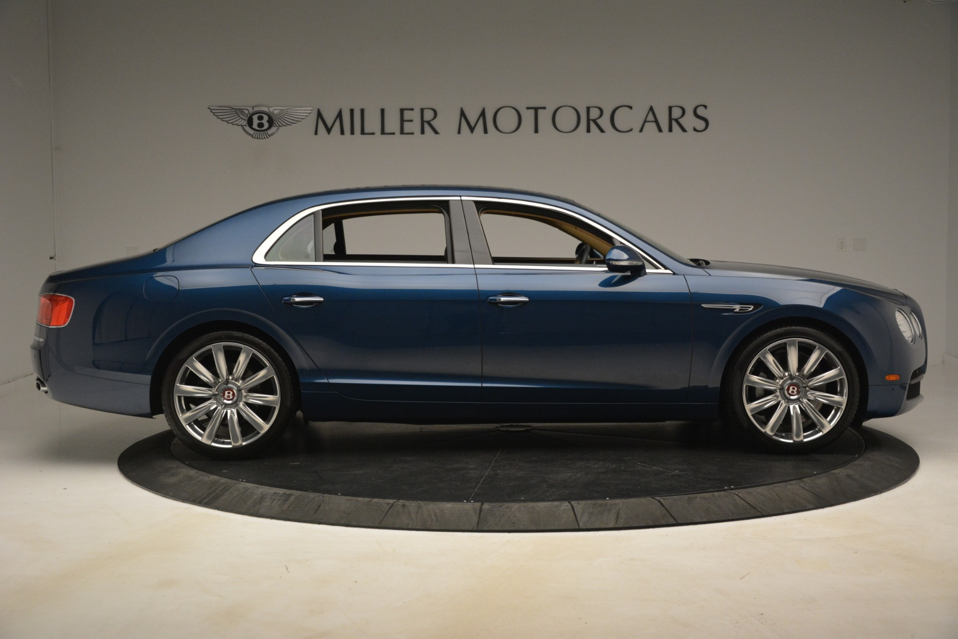 Used 2016 Bentley Flying Spur V8 For Sale In Greenwich, CT 3195_p9