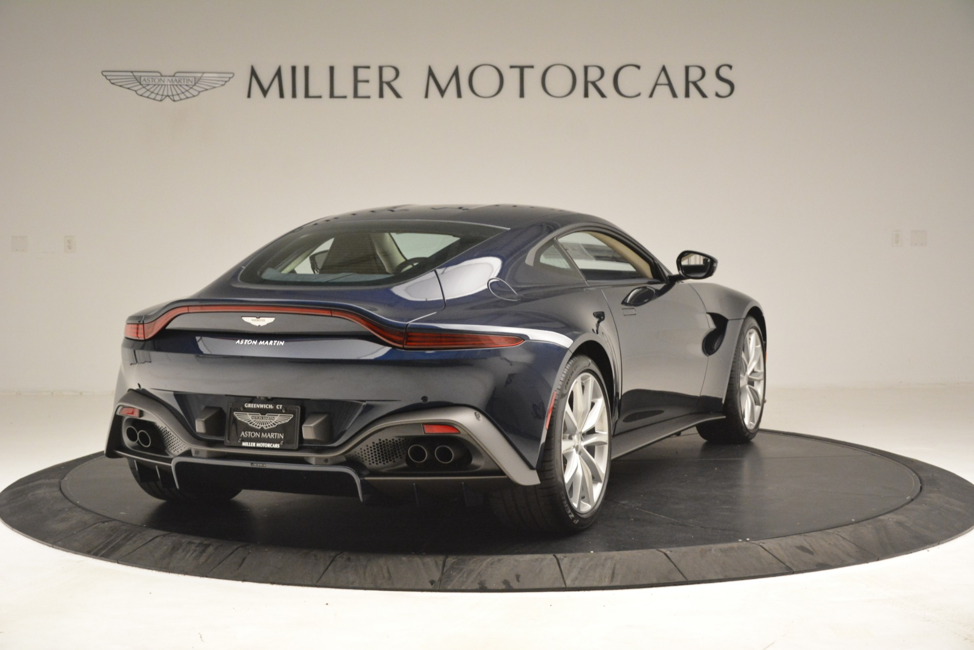 New 2019 Aston Martin Vantage V8 For Sale In Greenwich, CT 3198_p7