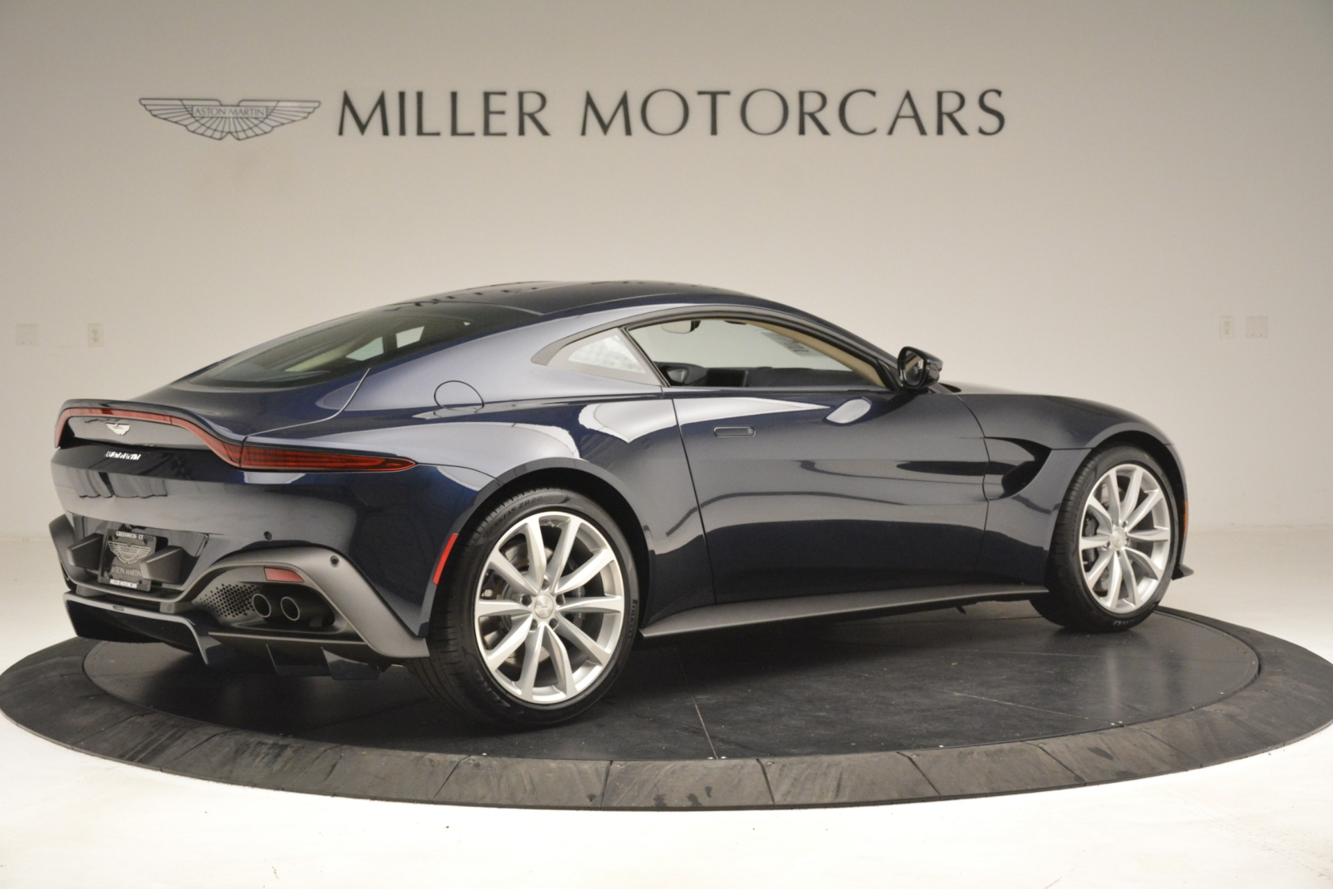 New 2019 Aston Martin Vantage V8 For Sale In Greenwich, CT 3198_p8