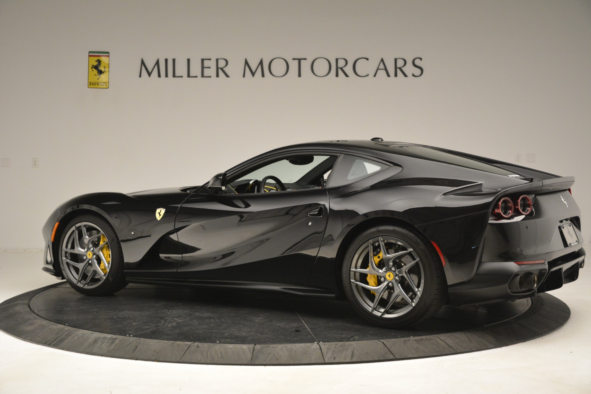 Used 2019 Ferrari 812 Superfast  For Sale In Greenwich, CT 3200_p4