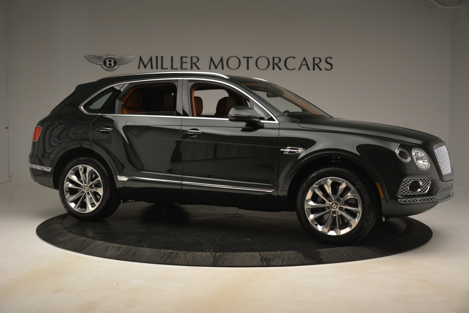 New 2019 Bentley Bentayga V8 For Sale In Greenwich, CT 3203_p10