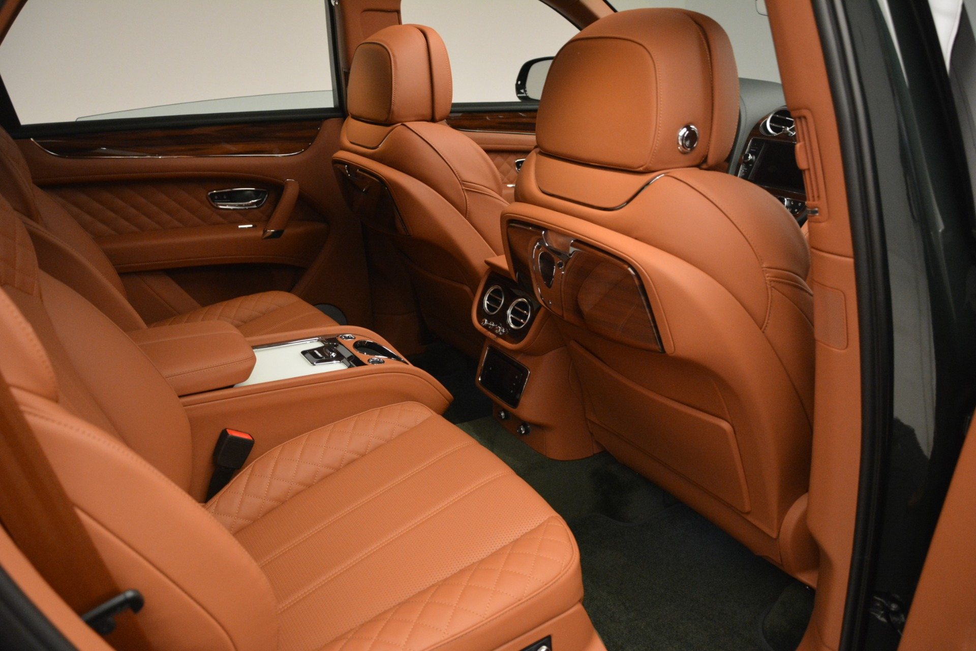 New 2019 Bentley Bentayga V8 For Sale In Greenwich, CT 3203_p25