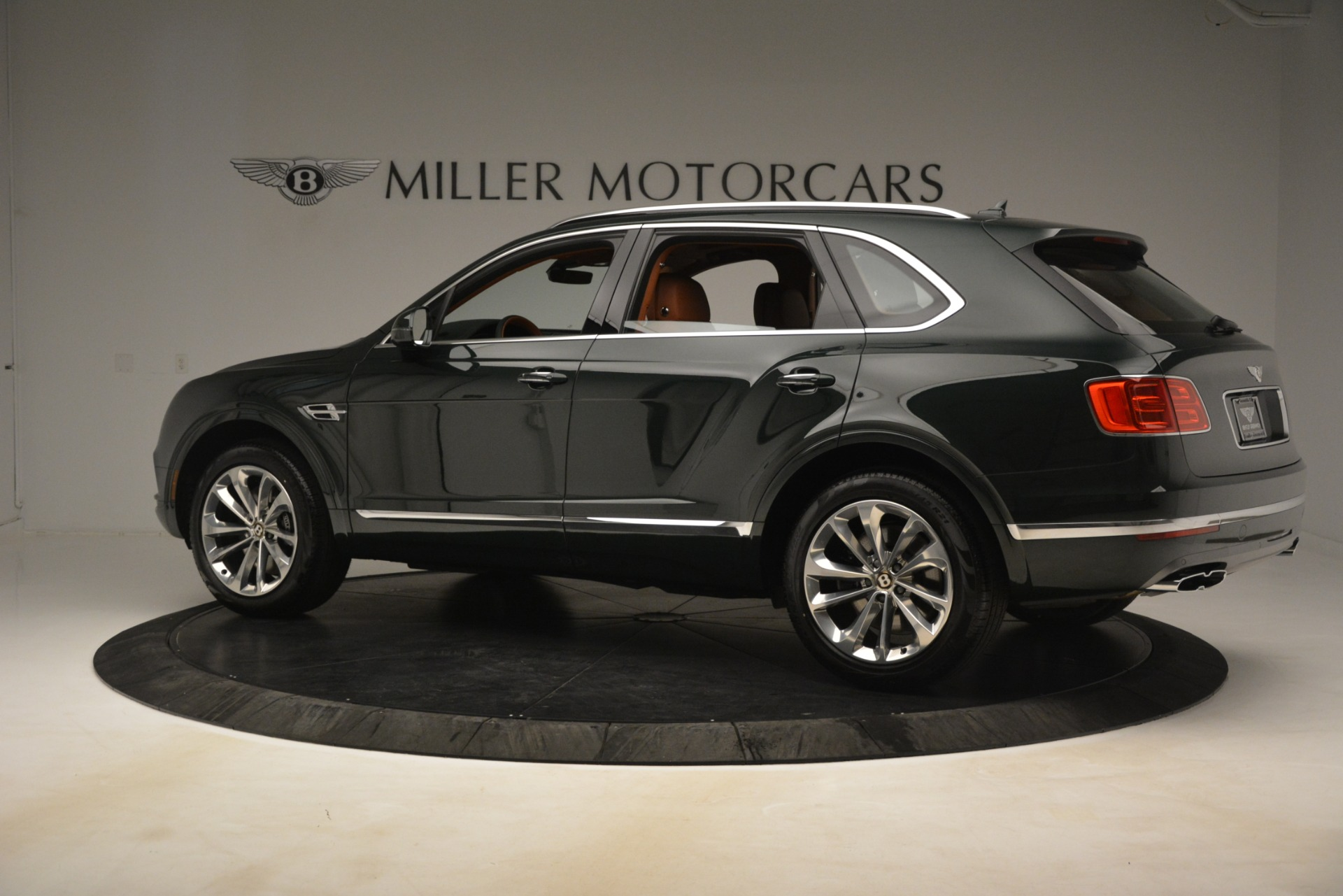 New 2019 Bentley Bentayga V8 For Sale In Greenwich, CT 3203_p4