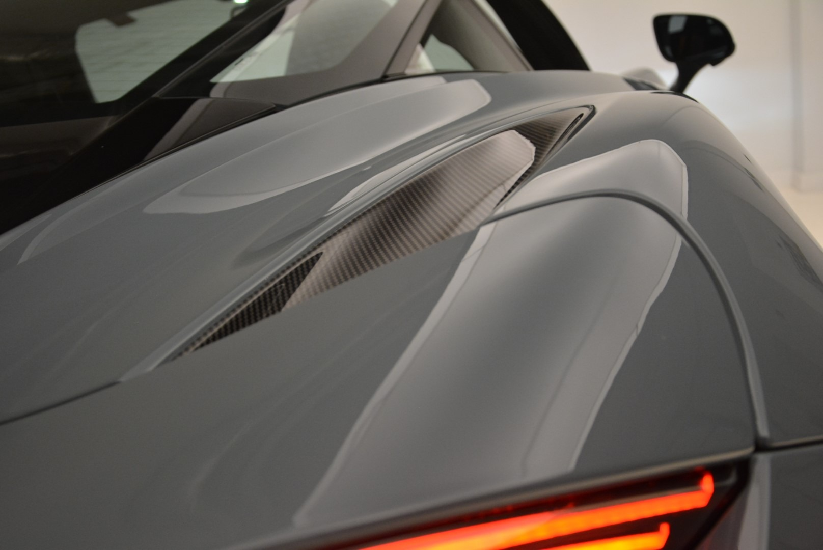 Used 2018 McLaren 720S Coupe For Sale In Greenwich, CT 3205_p24