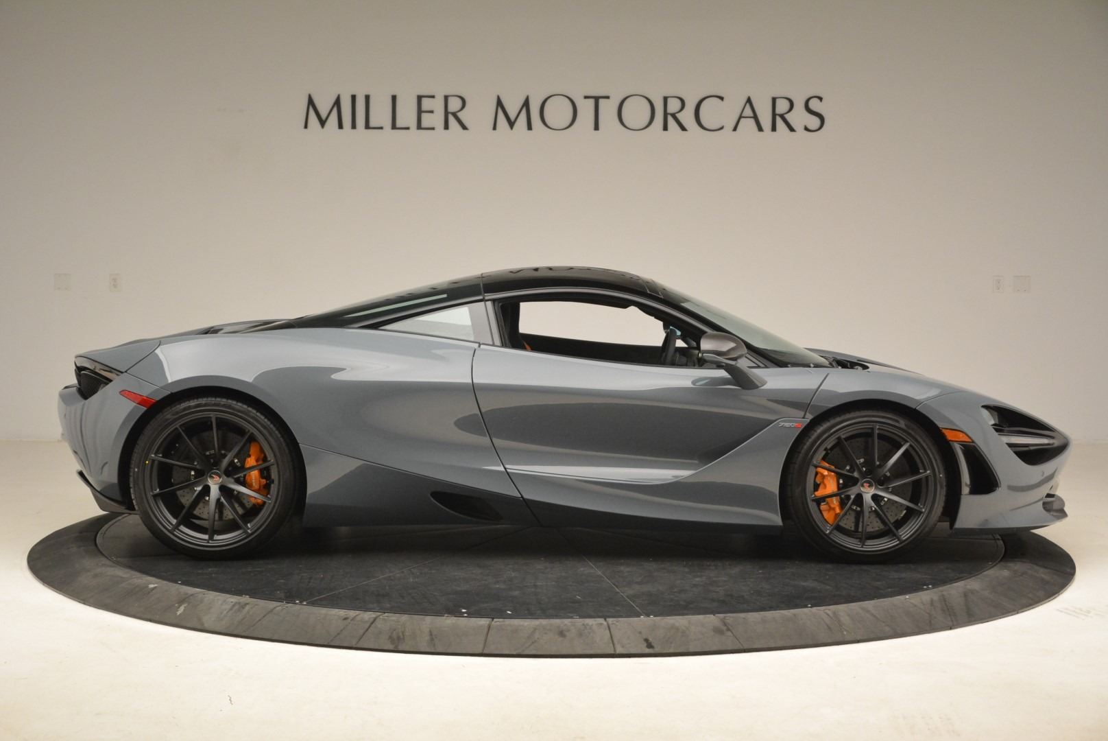 Used 2018 McLaren 720S Coupe For Sale In Greenwich, CT 3205_p9