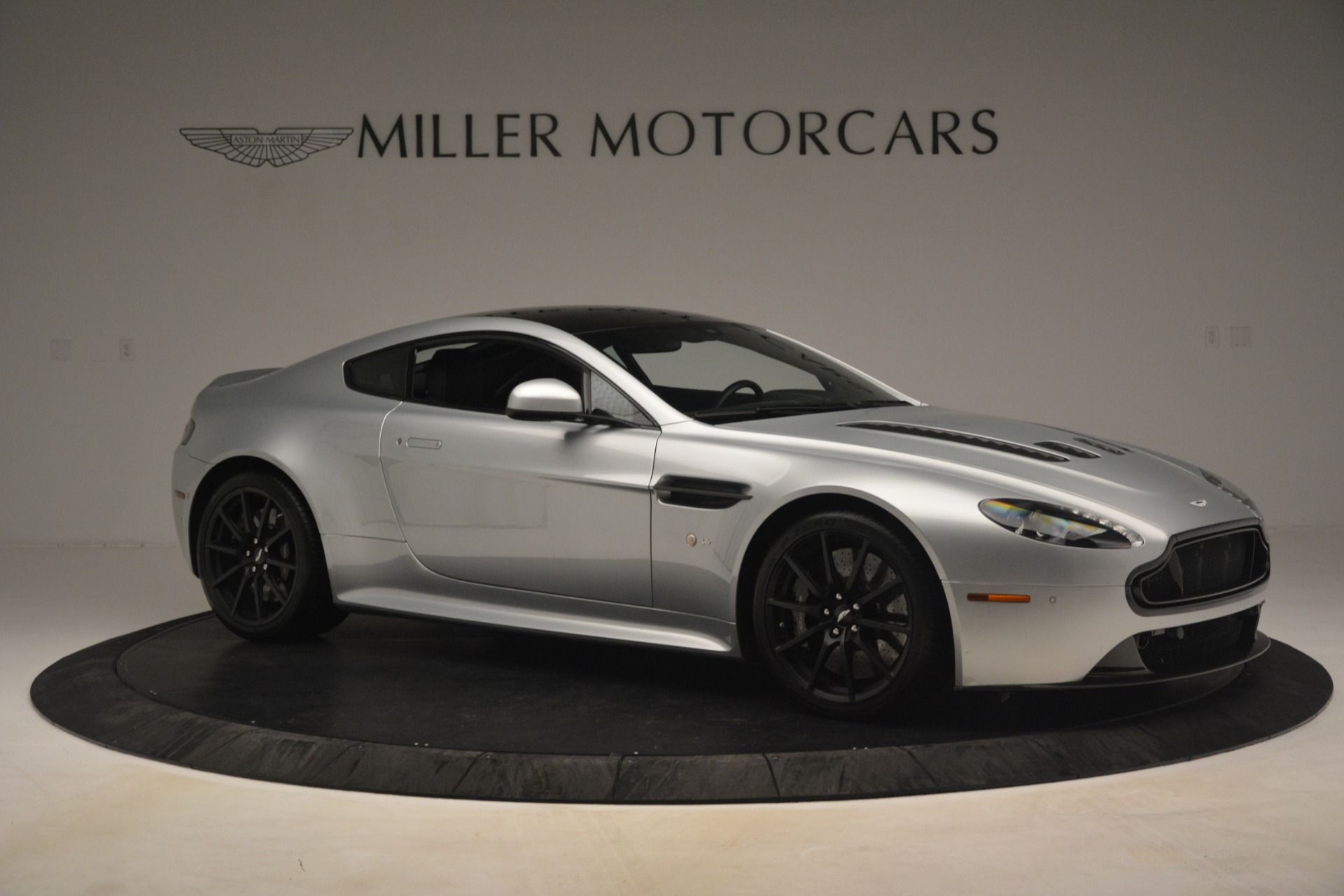 Used 2015 Aston Martin V12 Vantage S Coupe For Sale In Greenwich, CT 3206_p10