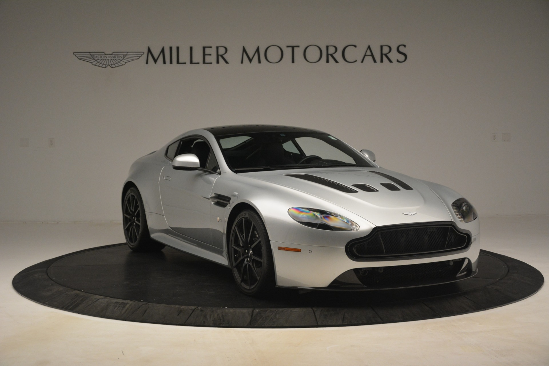 Used 2015 Aston Martin V12 Vantage S Coupe For Sale In Greenwich, CT 3206_p11