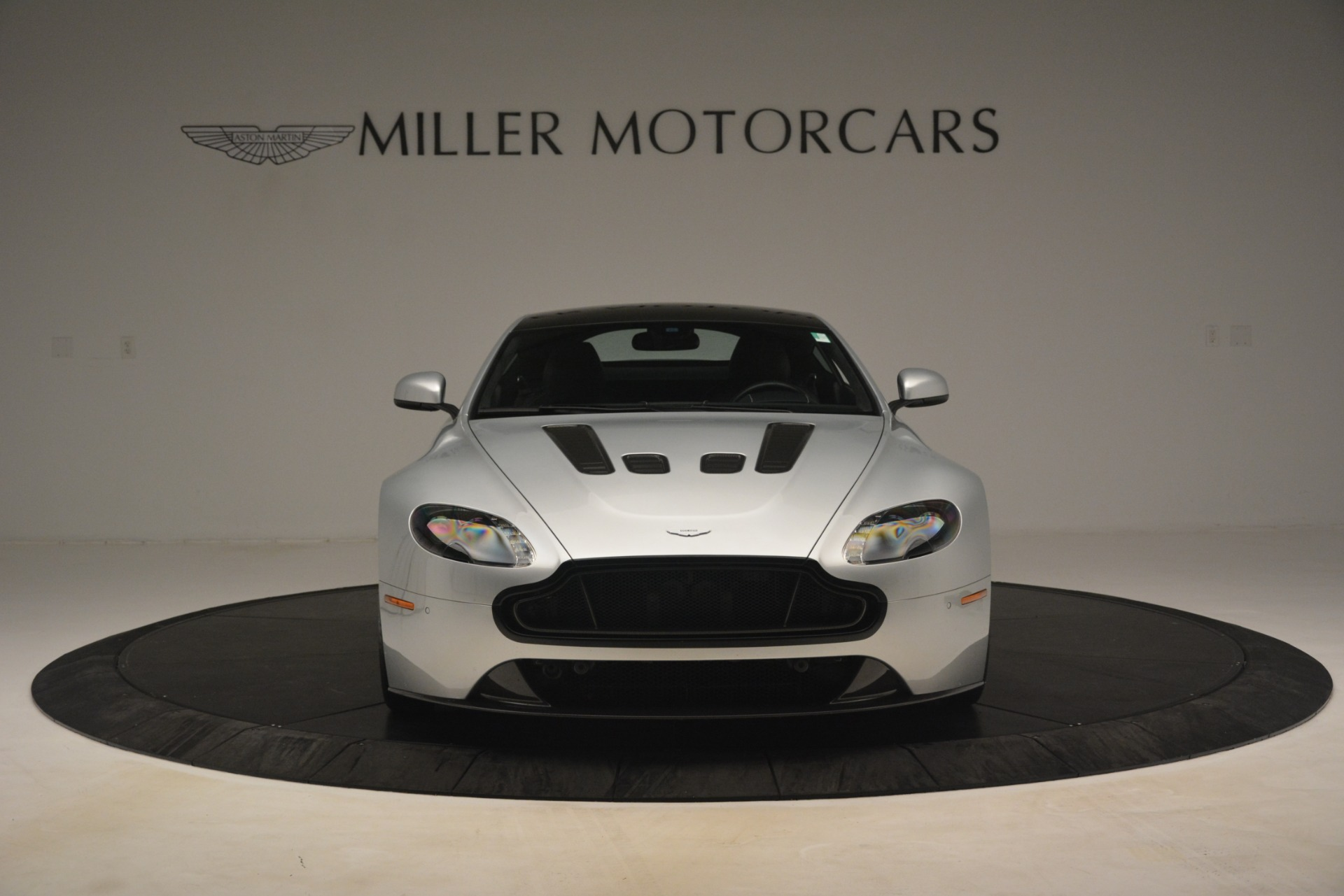 Used 2015 Aston Martin V12 Vantage S Coupe For Sale In Greenwich, CT 3206_p12