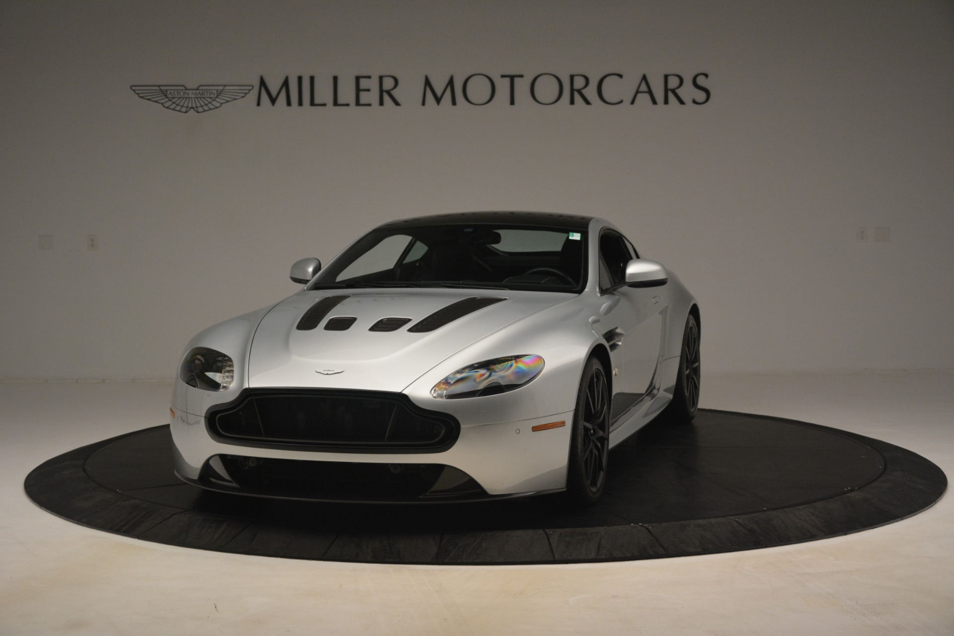 Used 2015 Aston Martin V12 Vantage S Coupe For Sale In Greenwich, CT 3206_p2