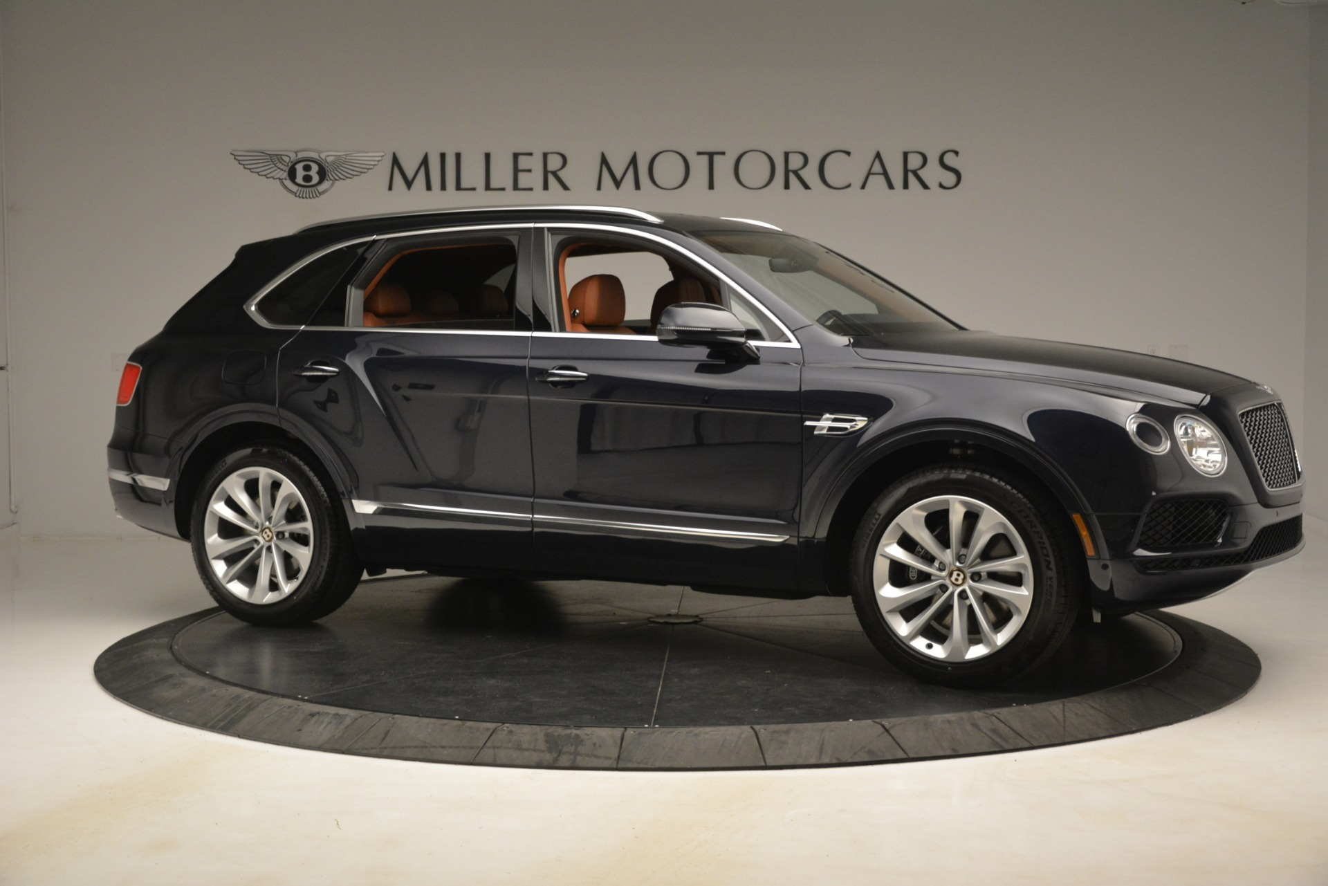 New 2019 Bentley Bentayga V8 For Sale In Greenwich, CT 3207_p10