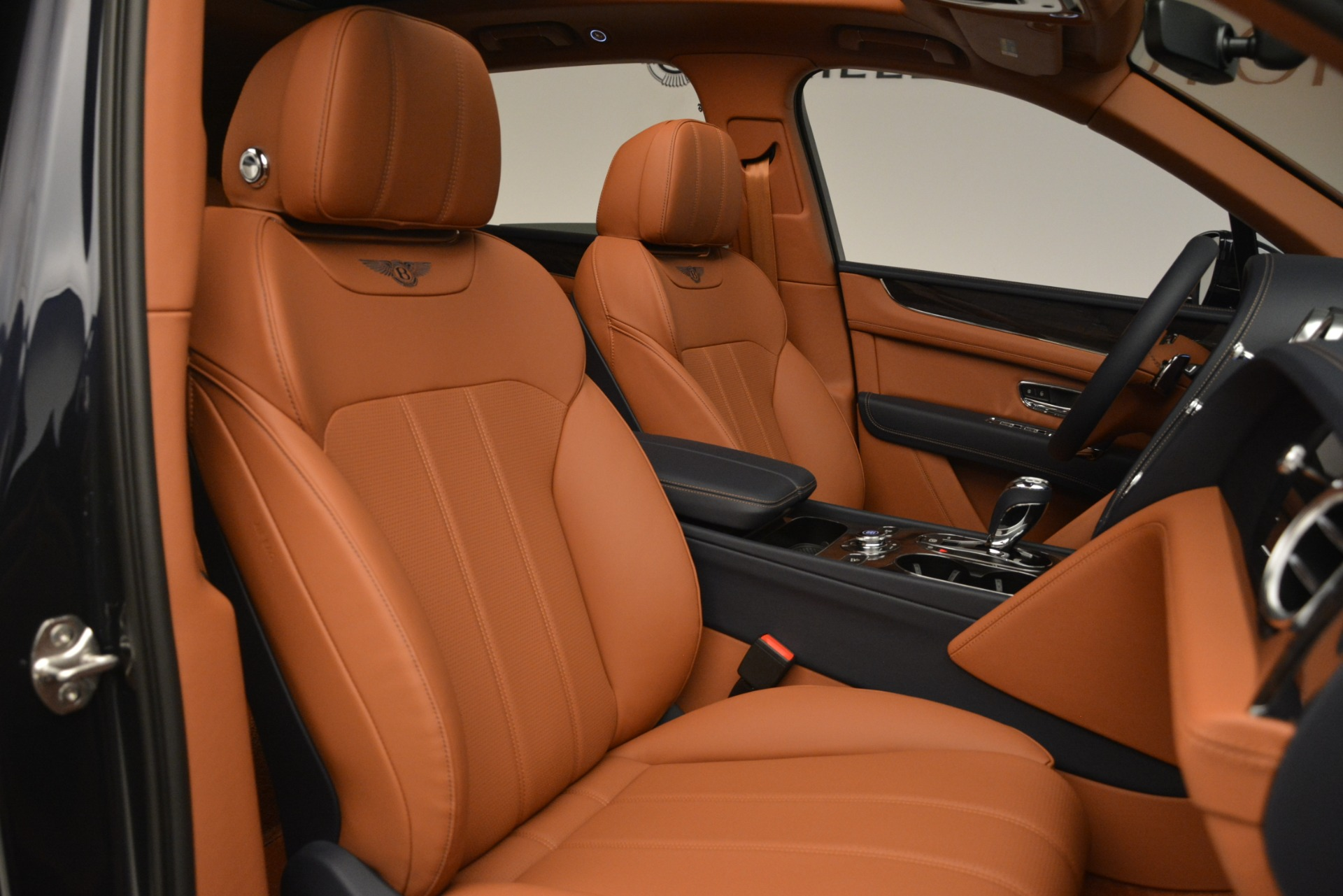 New 2019 Bentley Bentayga V8 For Sale In Greenwich, CT 3207_p29