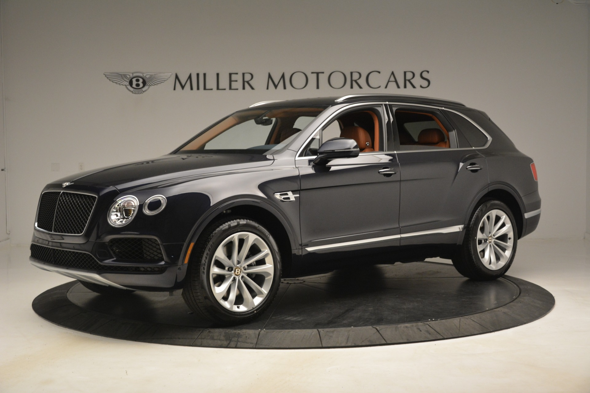New 2019 Bentley Bentayga V8 For Sale In Greenwich, CT 3207_p2