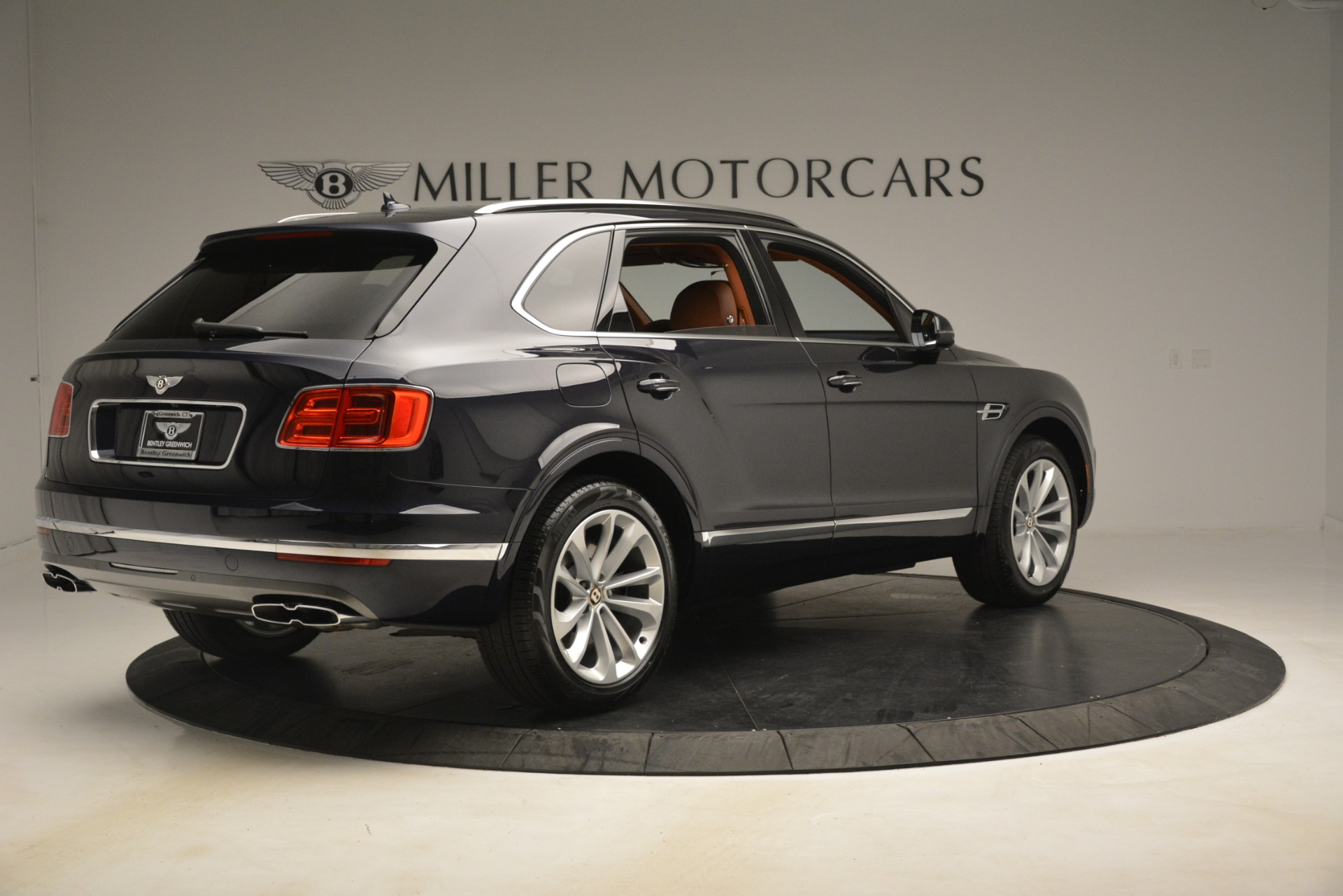New 2019 Bentley Bentayga V8 For Sale In Greenwich, CT 3207_p7