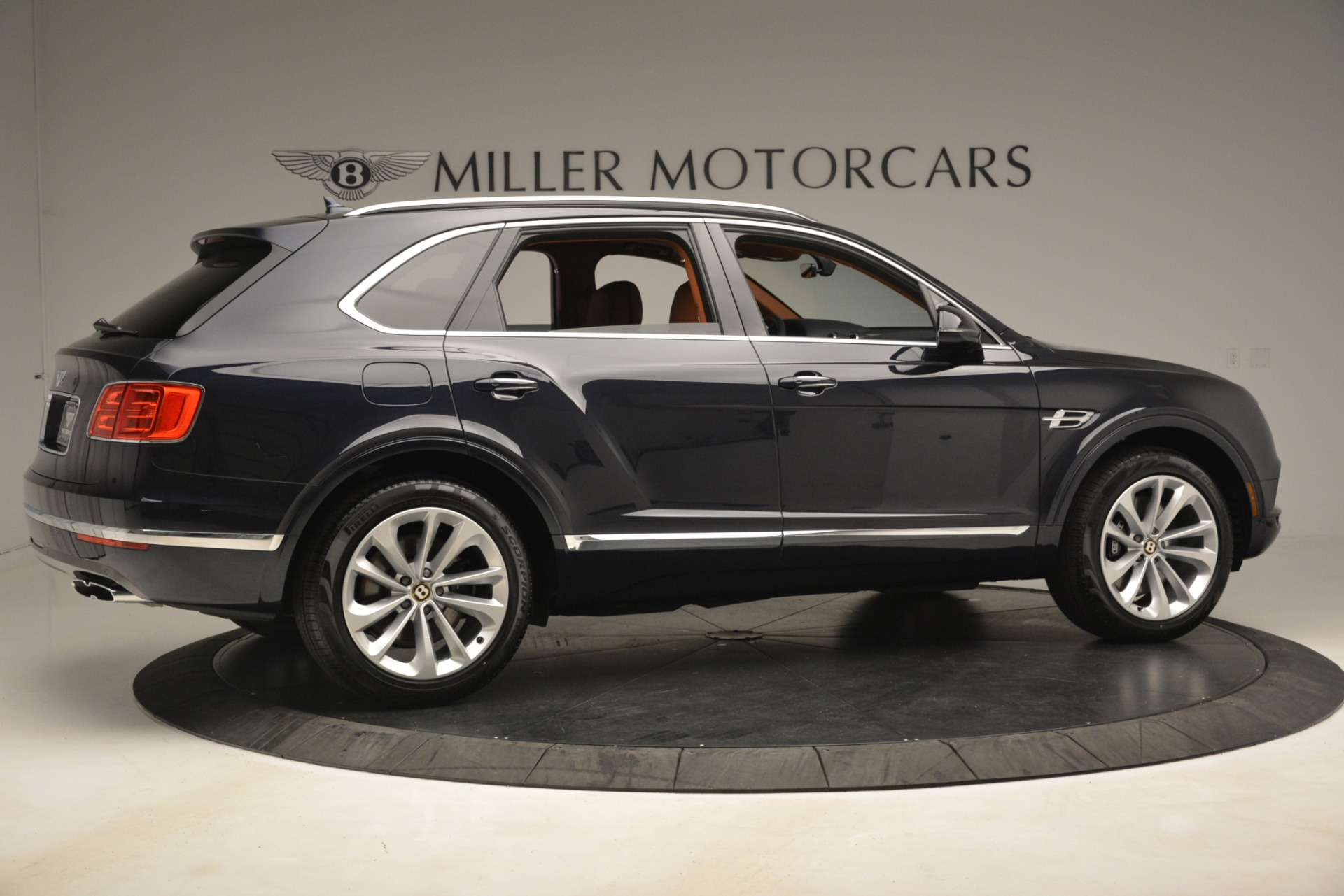 New 2019 Bentley Bentayga V8 For Sale In Greenwich, CT 3207_p8