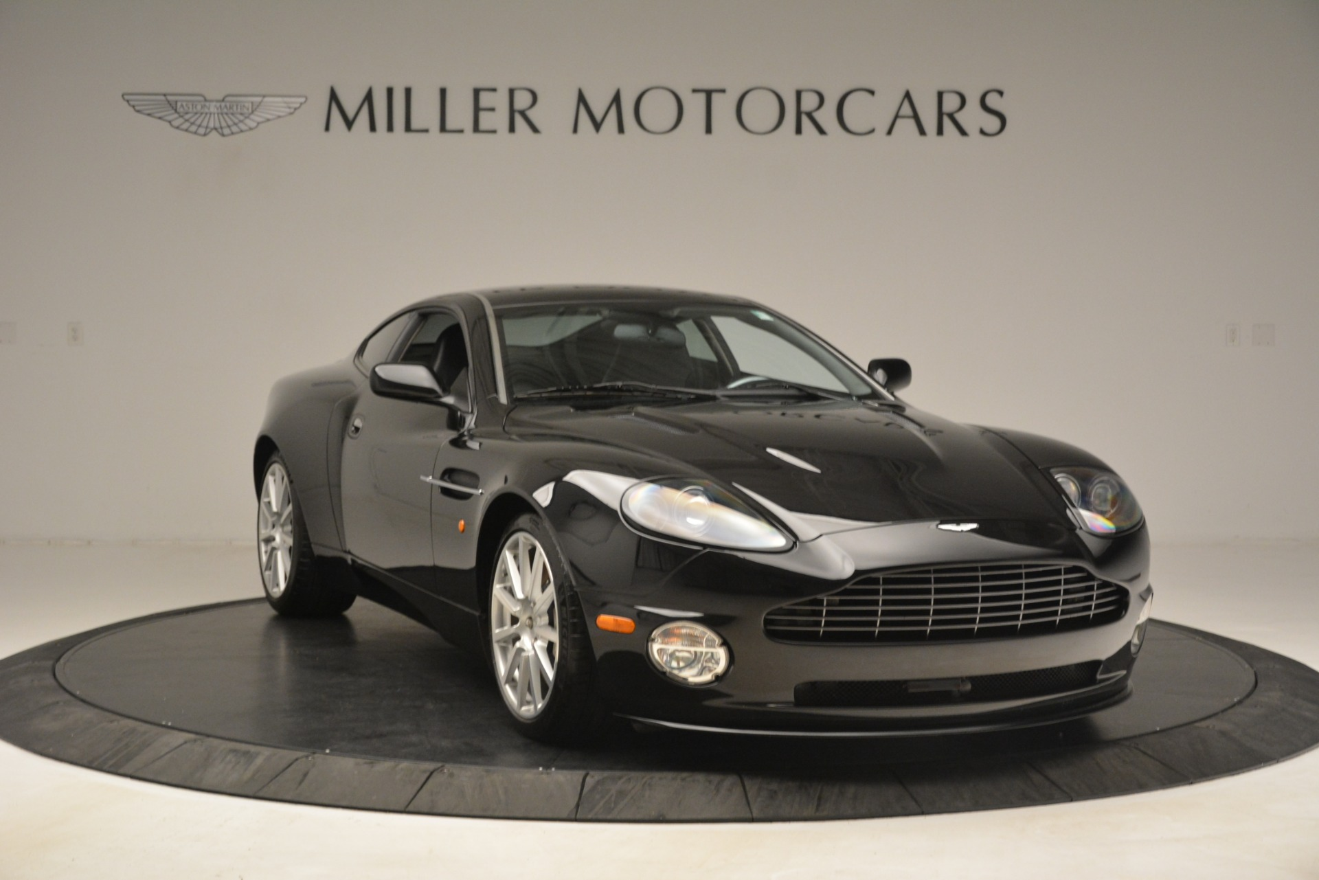 Used 2005 Aston Martin V12 Vanquish S For Sale In Greenwich, CT 3218_p11