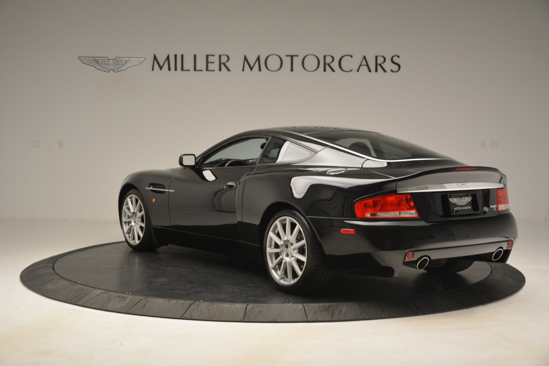 Used 2005 Aston Martin V12 Vanquish S For Sale In Greenwich, CT 3218_p5
