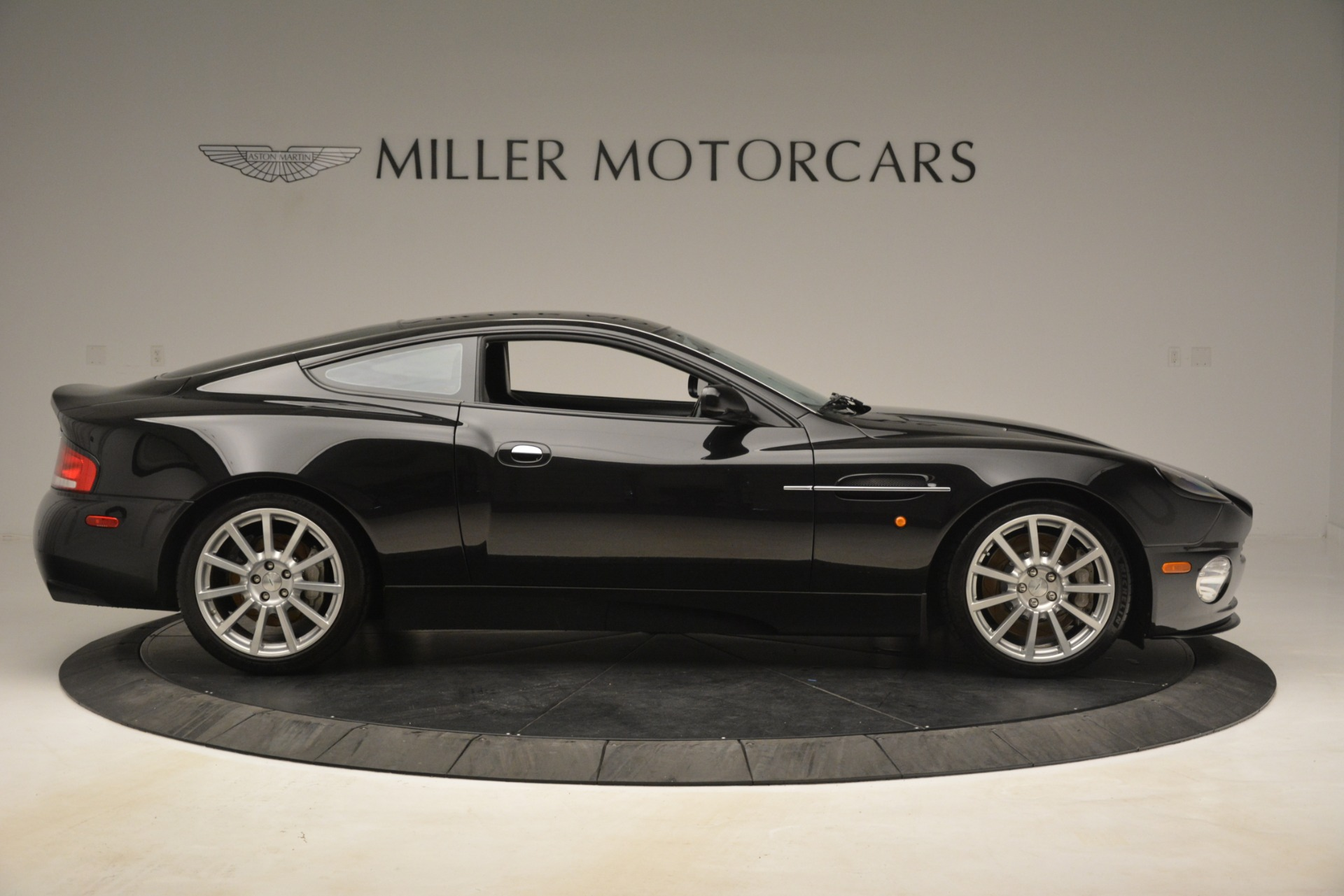 Used 2005 Aston Martin V12 Vanquish S For Sale In Greenwich, CT 3218_p9