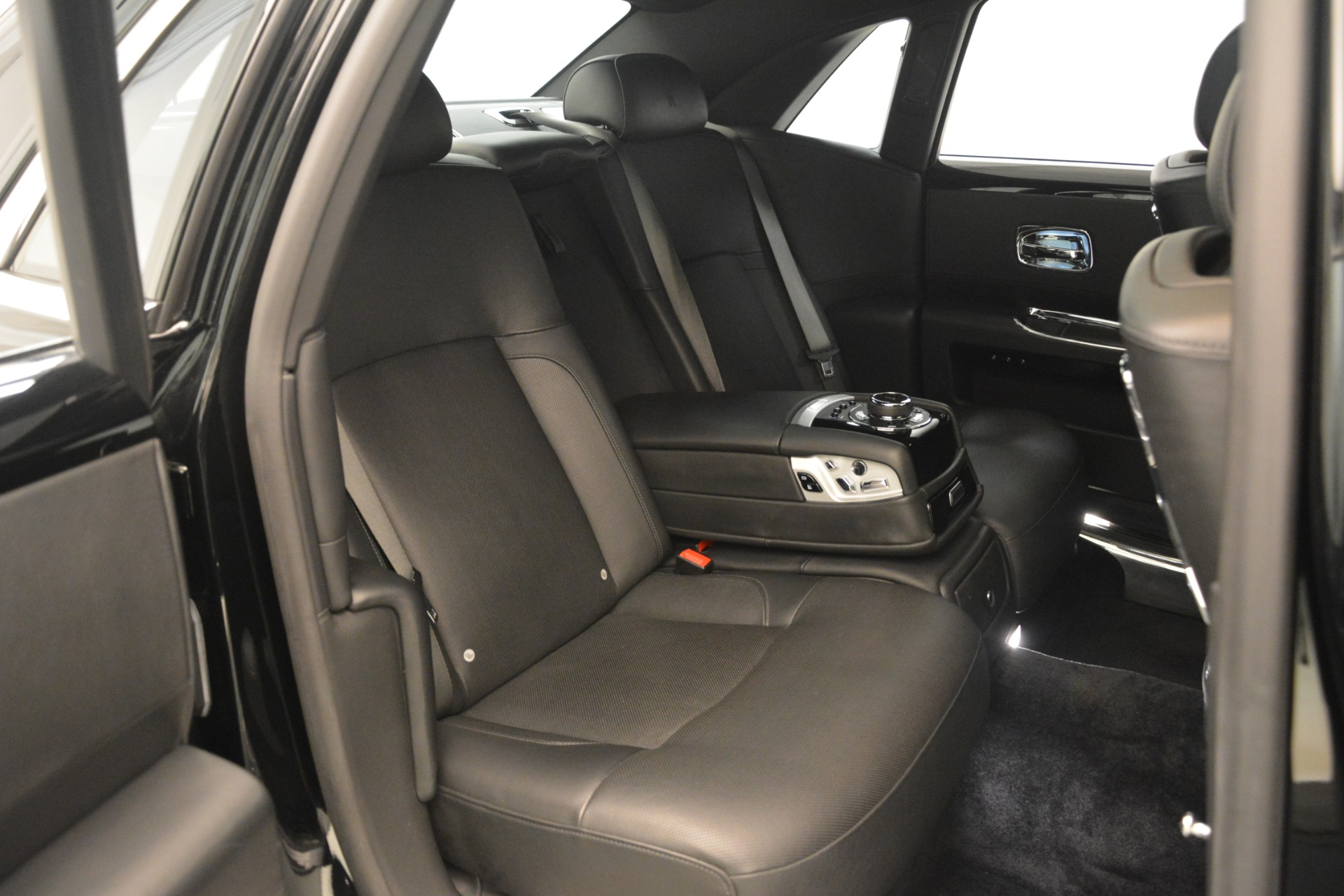 Used 2014 Rolls-Royce Ghost  For Sale In Greenwich, CT 3220_p22