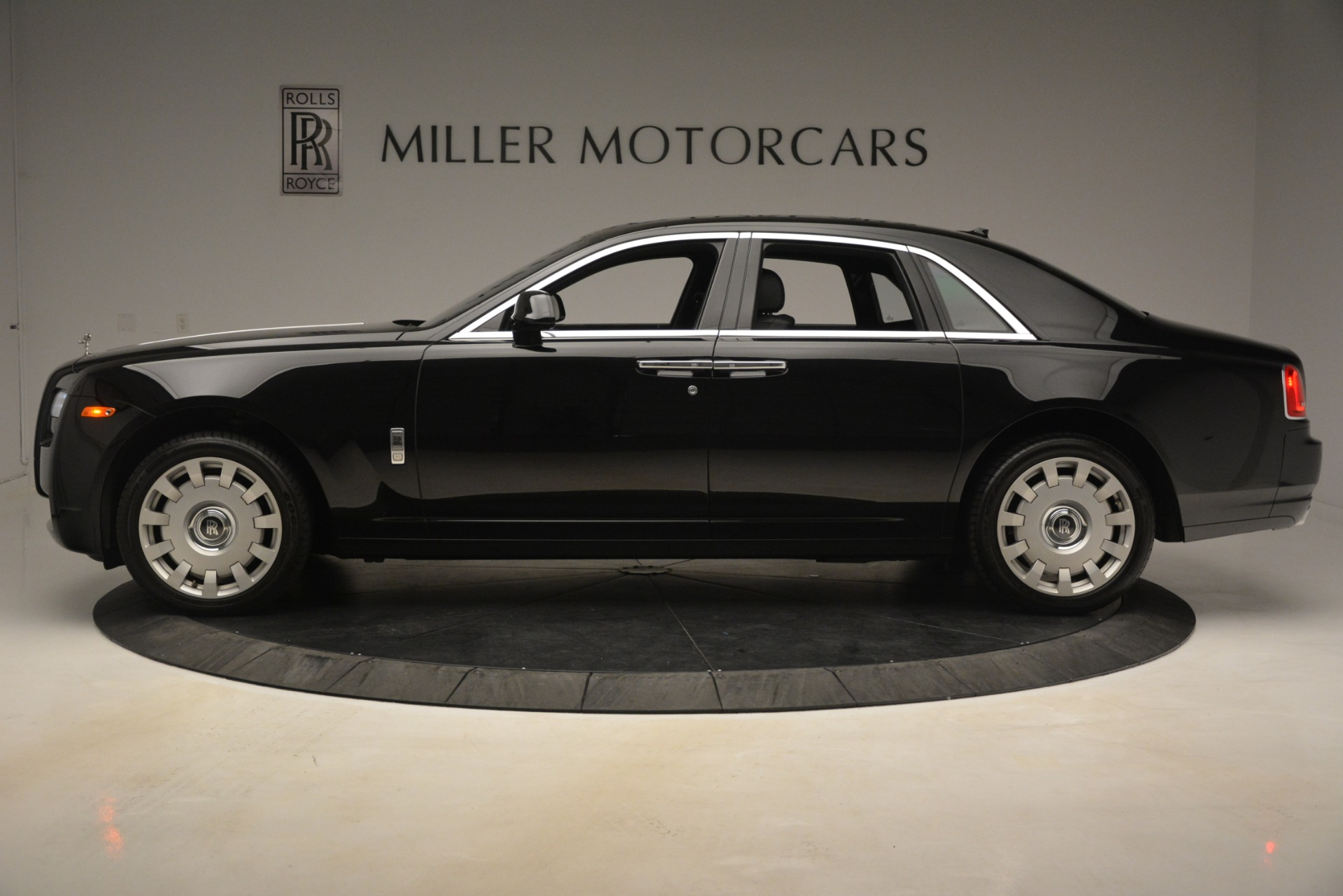 Used 2014 Rolls-Royce Ghost  For Sale In Greenwich, CT 3220_p4