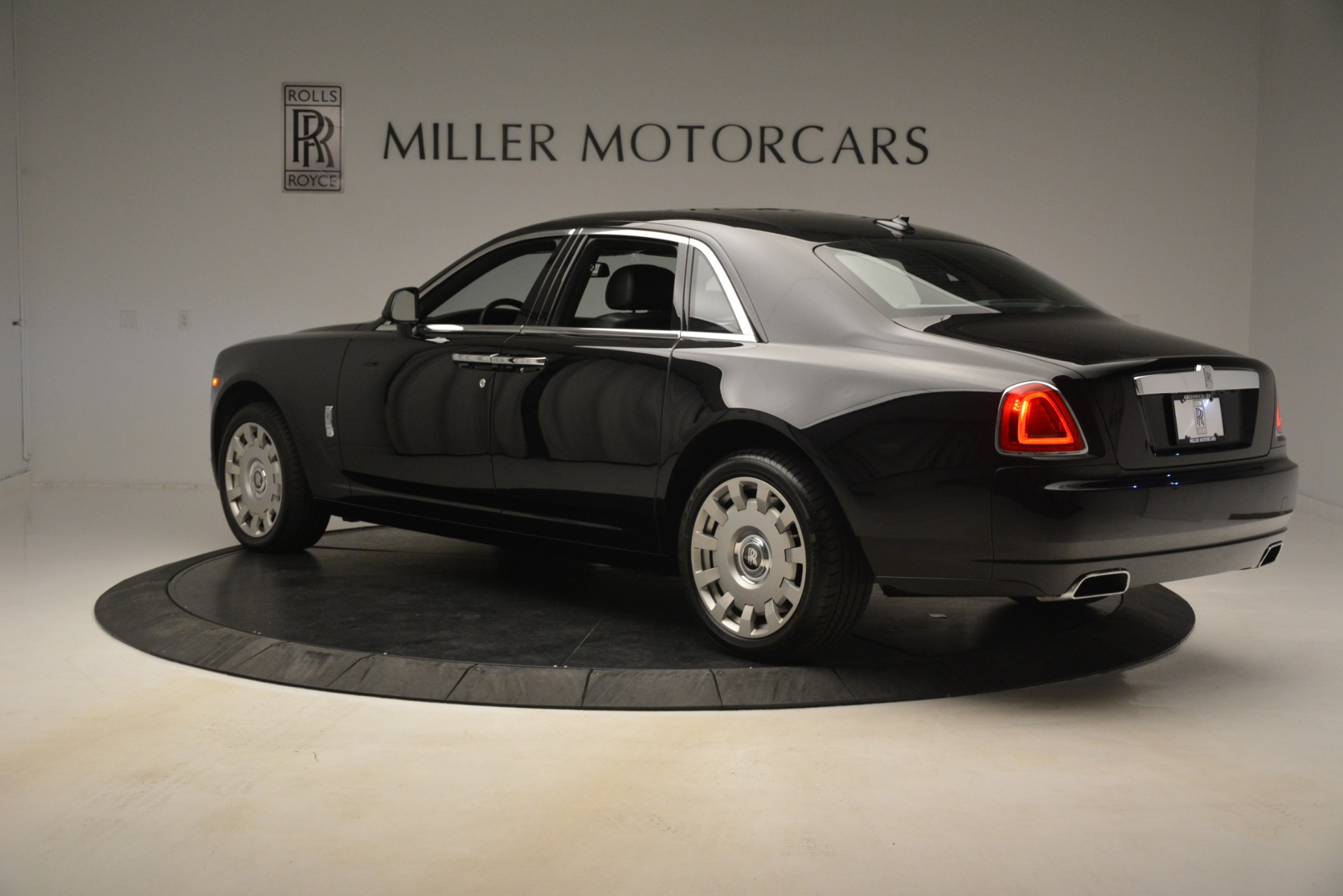 Used 2014 Rolls-Royce Ghost  For Sale In Greenwich, CT 3220_p6