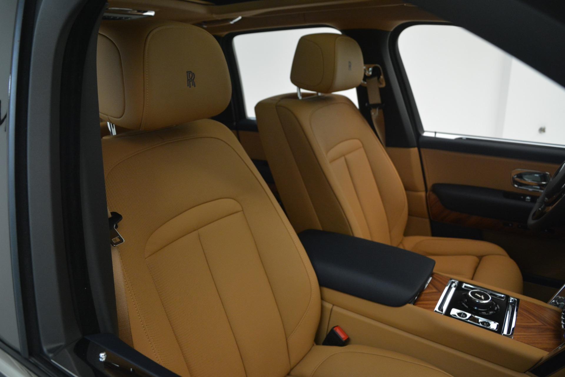 New 2019 Rolls-Royce Cullinan  For Sale In Greenwich, CT 3223_p16
