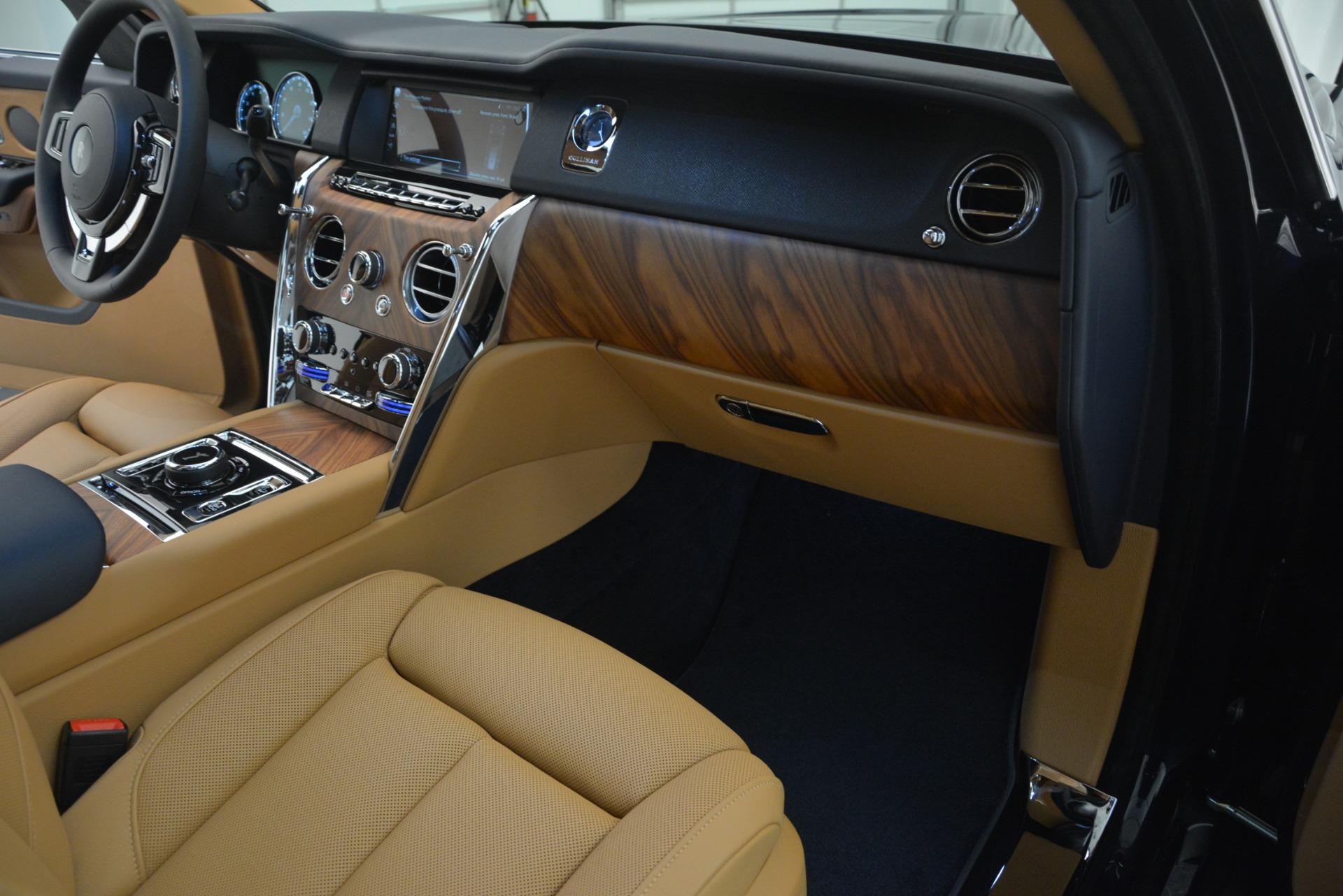 New 2019 Rolls-Royce Cullinan  For Sale In Greenwich, CT 3223_p28
