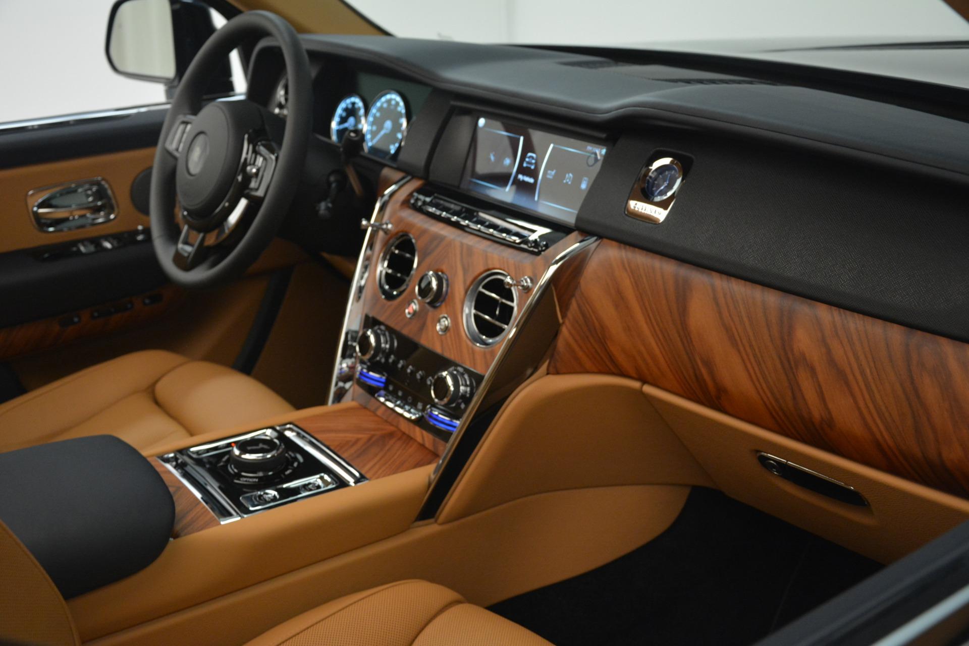 New 2019 Rolls-Royce Cullinan  For Sale In Greenwich, CT 3223_p30