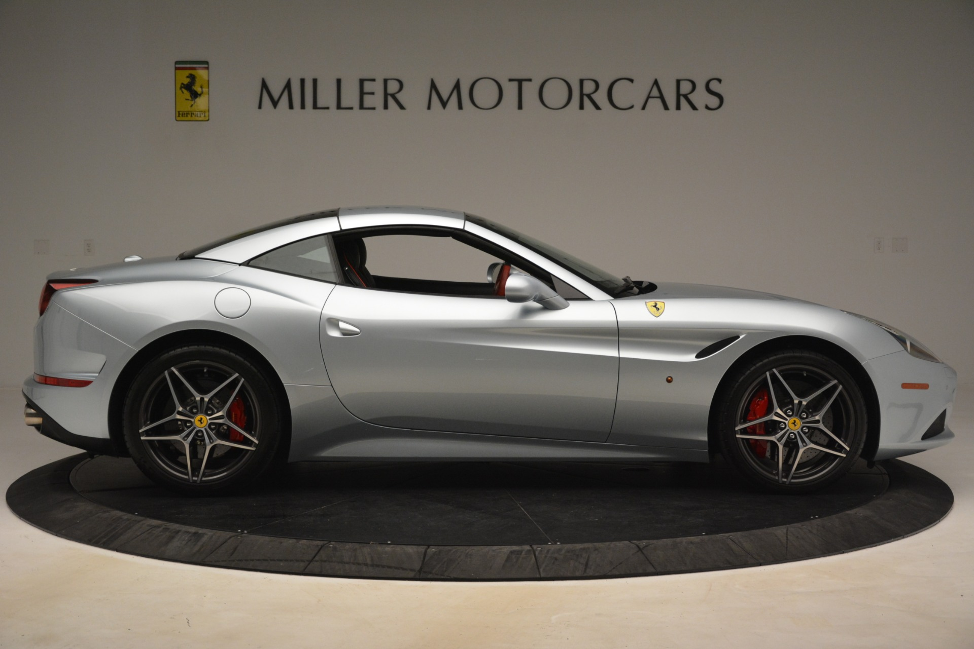 Used 2016 Ferrari California T  For Sale In Greenwich, CT 3224_p15
