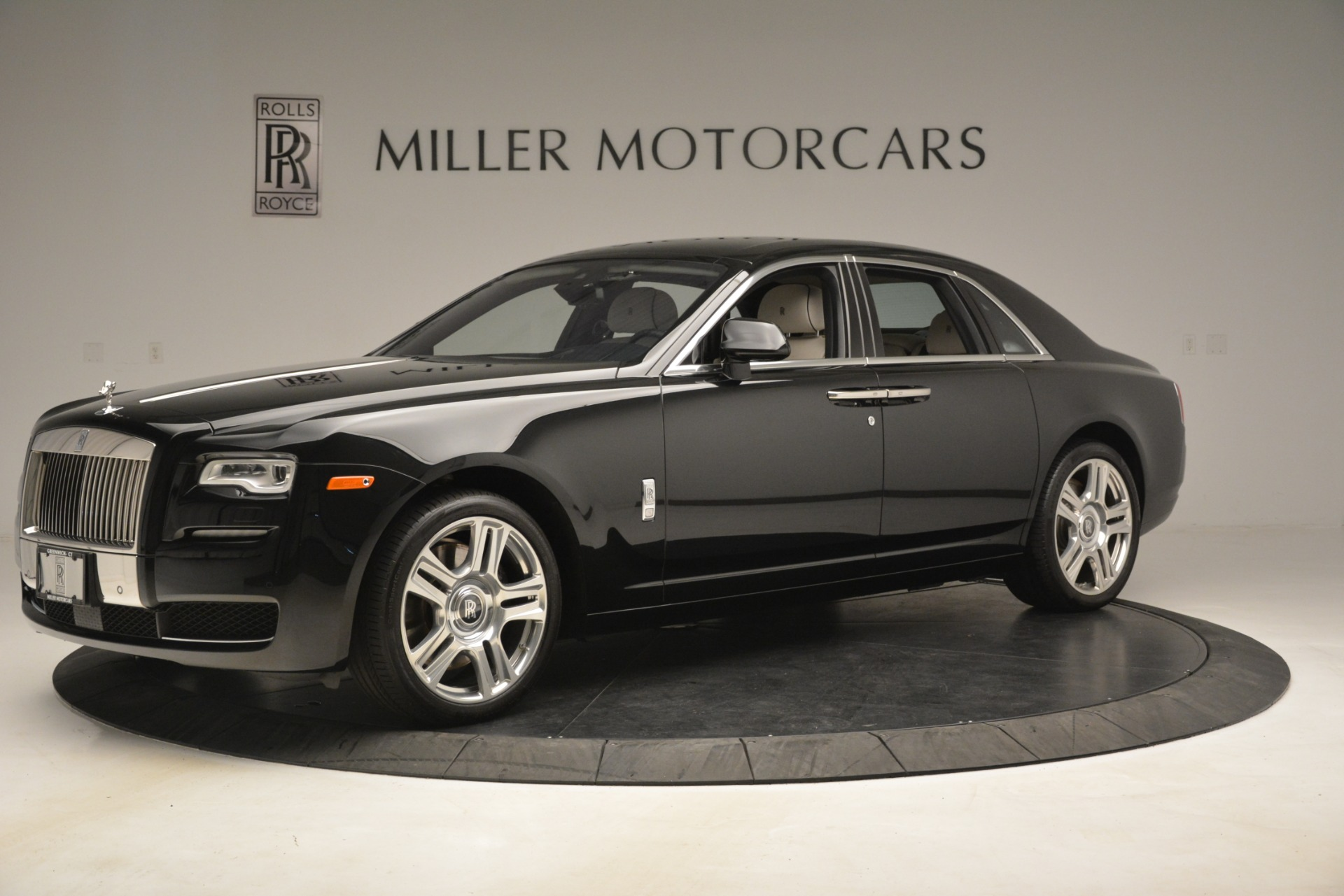 Used 2016 Rolls-Royce Ghost  For Sale In Greenwich, CT 3225_p3