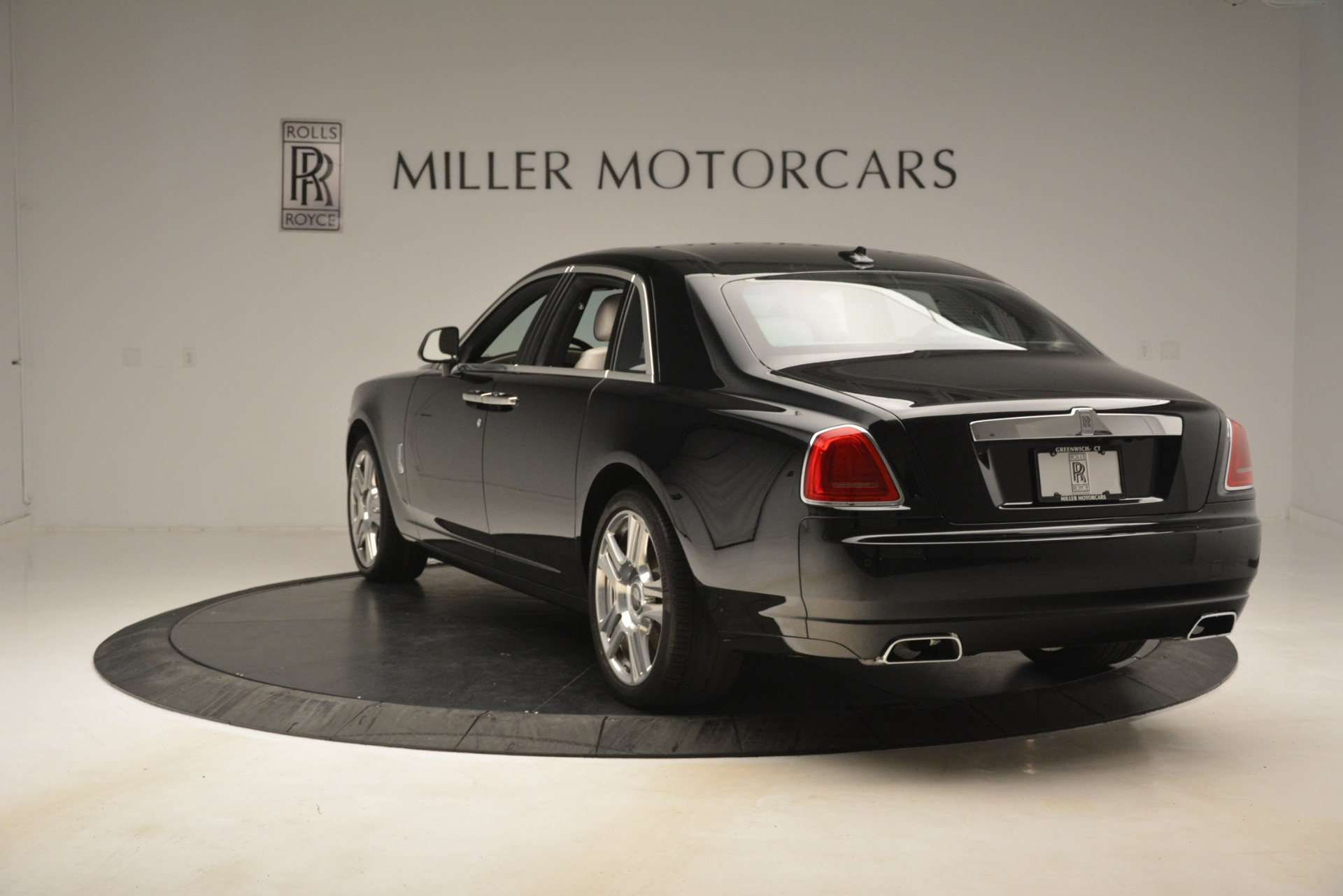 Used 2016 Rolls-Royce Ghost  For Sale In Greenwich, CT 3225_p6