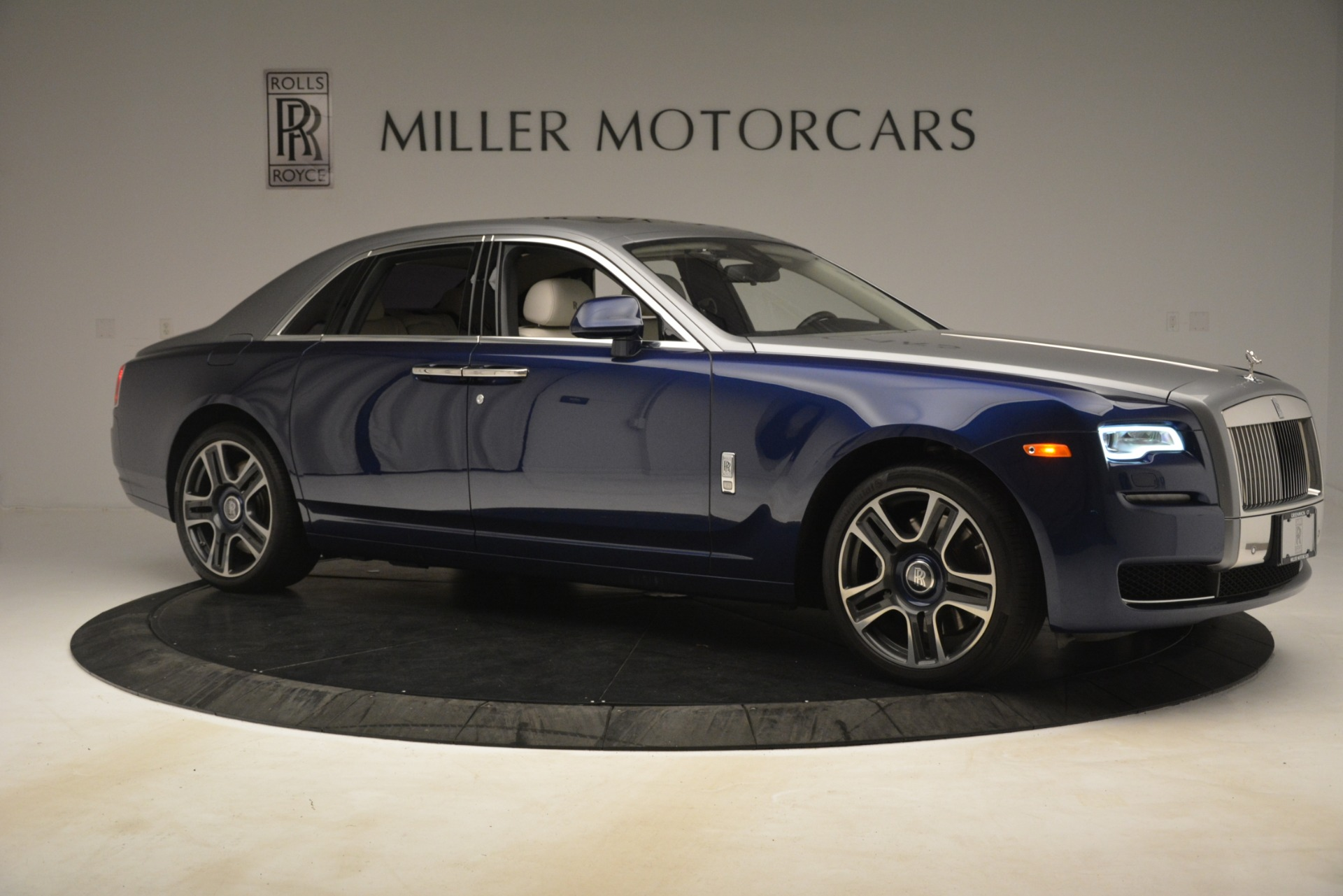 Used 2016 Rolls-Royce Ghost  For Sale In Greenwich, CT 3226_p10