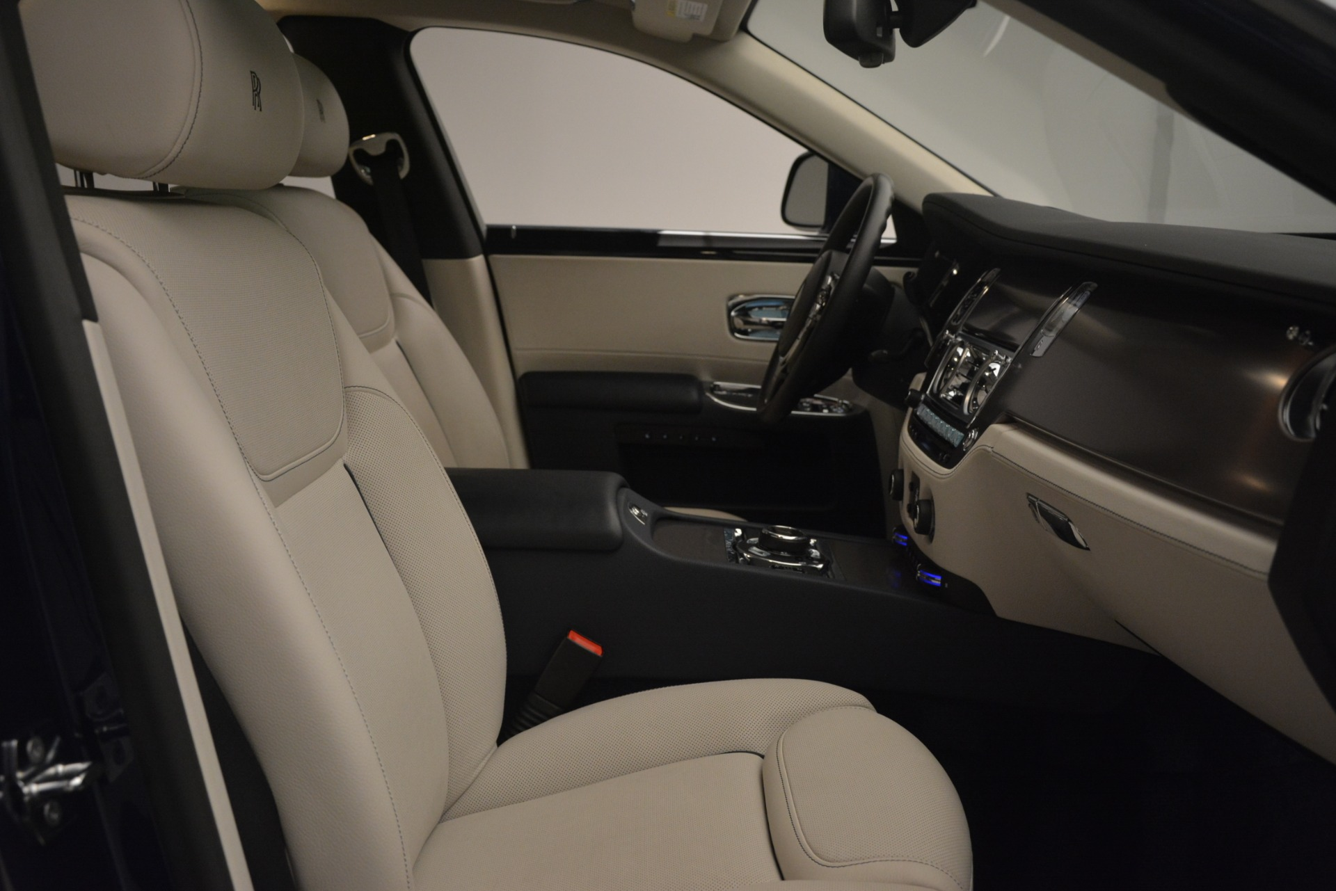 Used 2016 Rolls-Royce Ghost  For Sale In Greenwich, CT 3226_p13