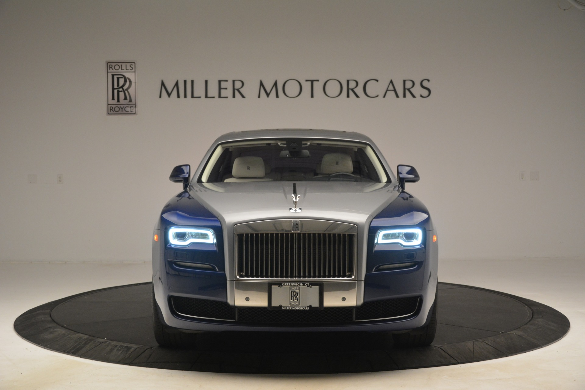 Used 2016 Rolls-Royce Ghost  For Sale In Greenwich, CT 3226_p2