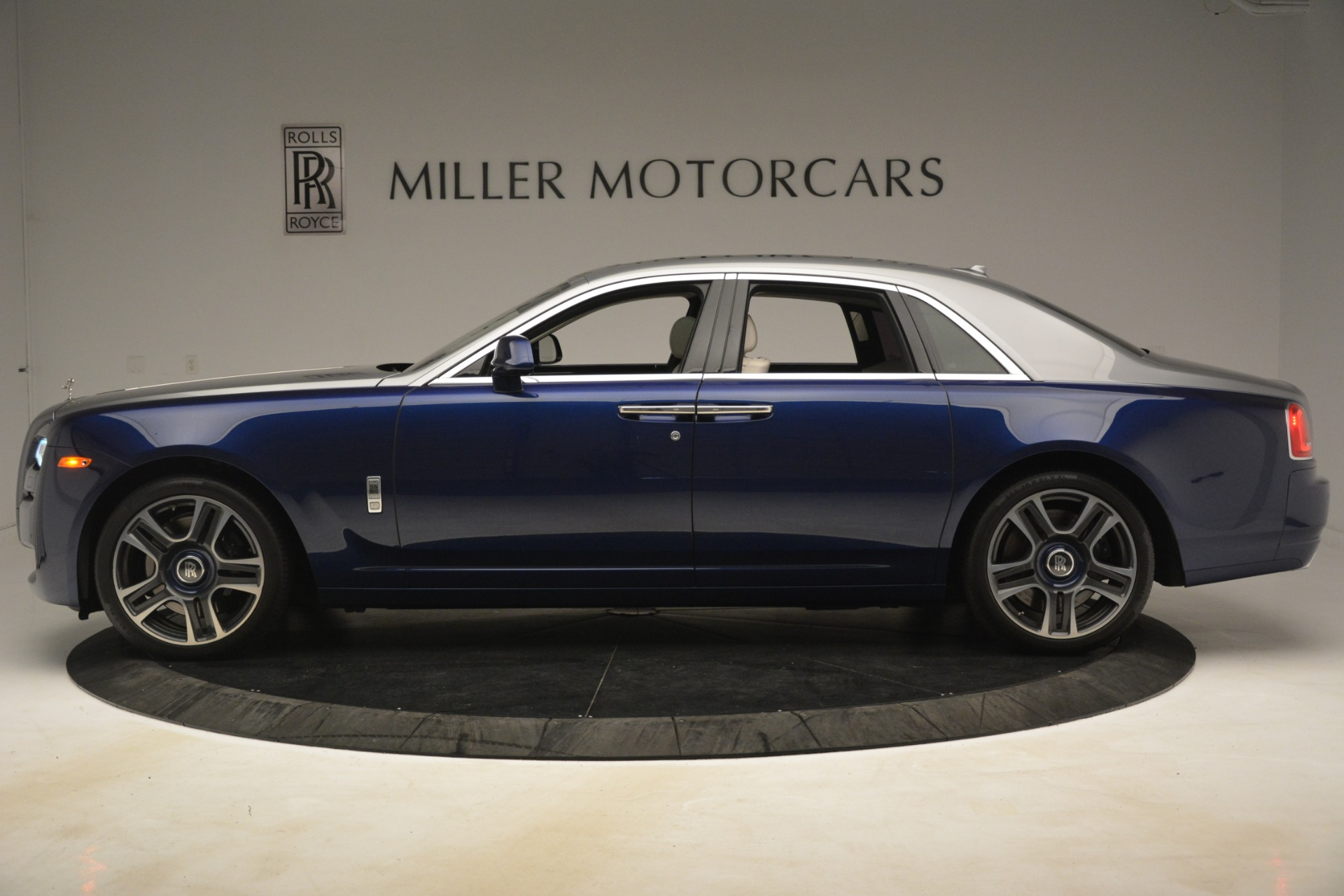 Used 2016 Rolls-Royce Ghost  For Sale In Greenwich, CT 3226_p4