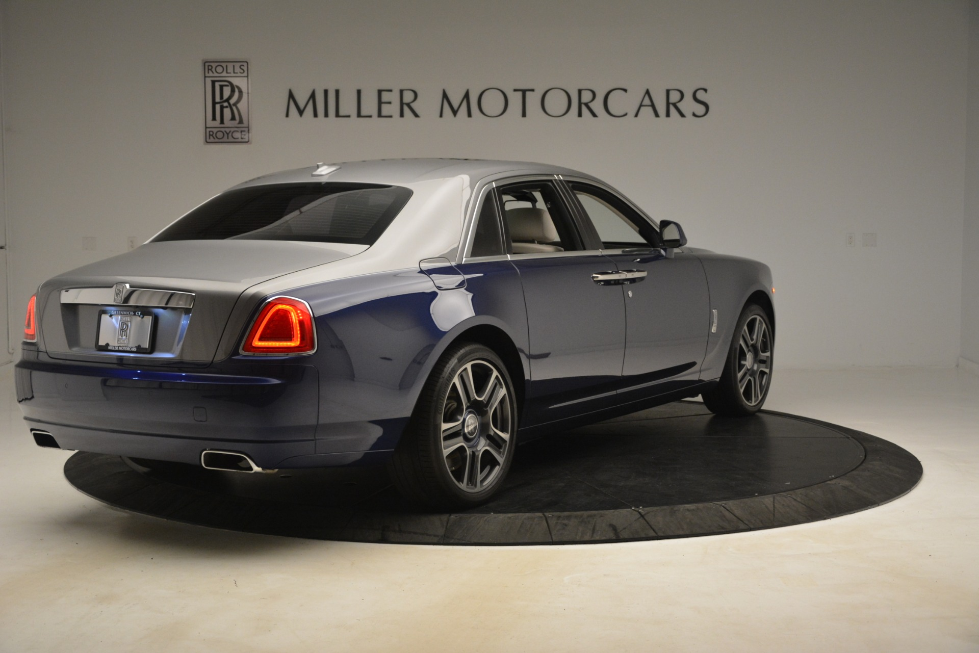 Used 2016 Rolls-Royce Ghost  For Sale In Greenwich, CT 3226_p8