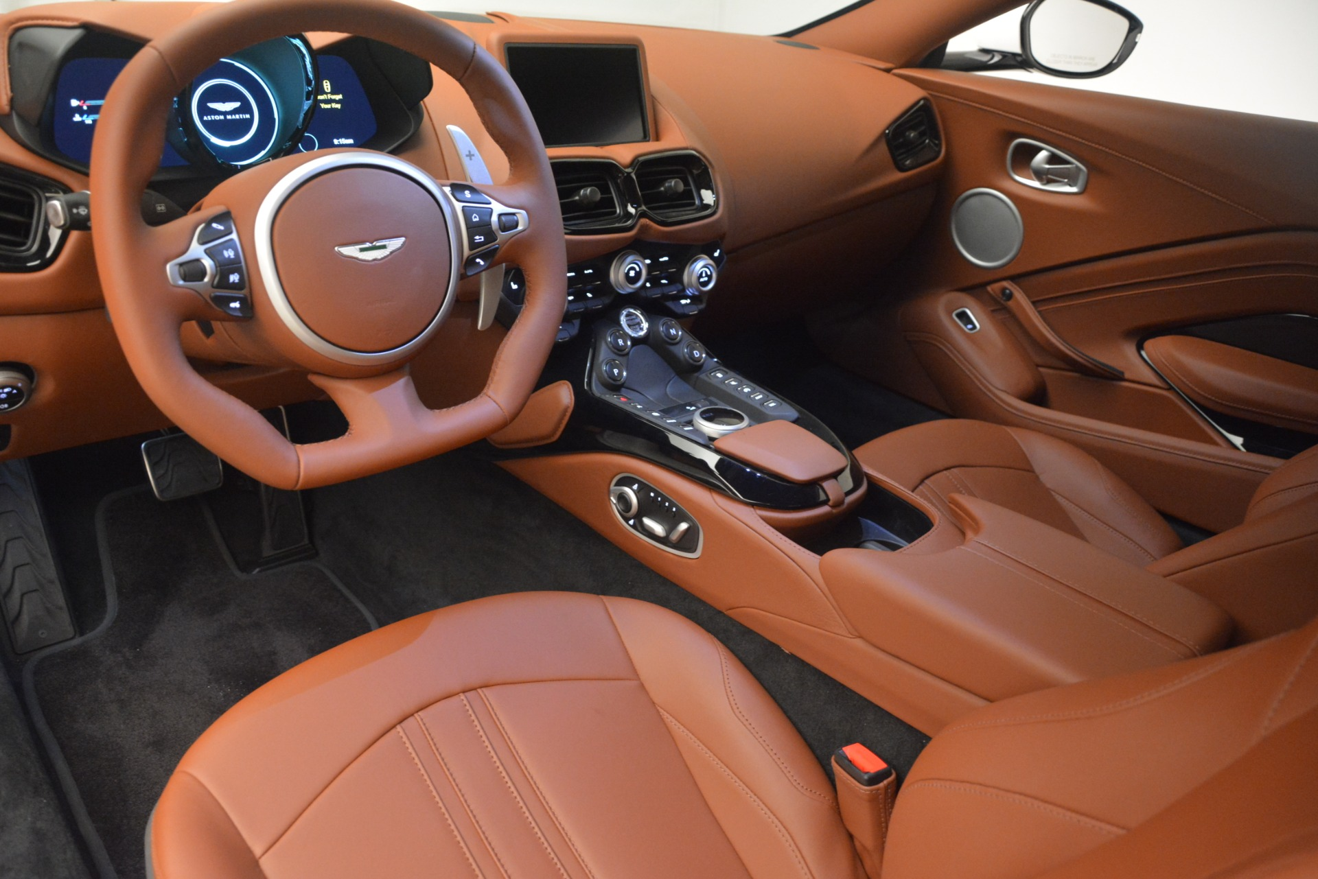 New 2019 Aston Martin Vantage Coupe For Sale In Greenwich, CT 3227_p14