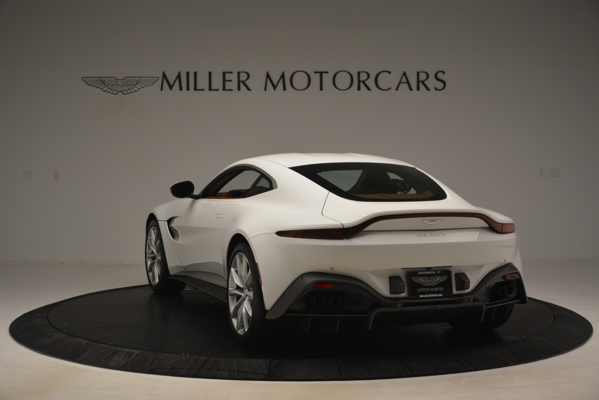 New 2019 Aston Martin Vantage Coupe For Sale In Greenwich, CT 3227_p4