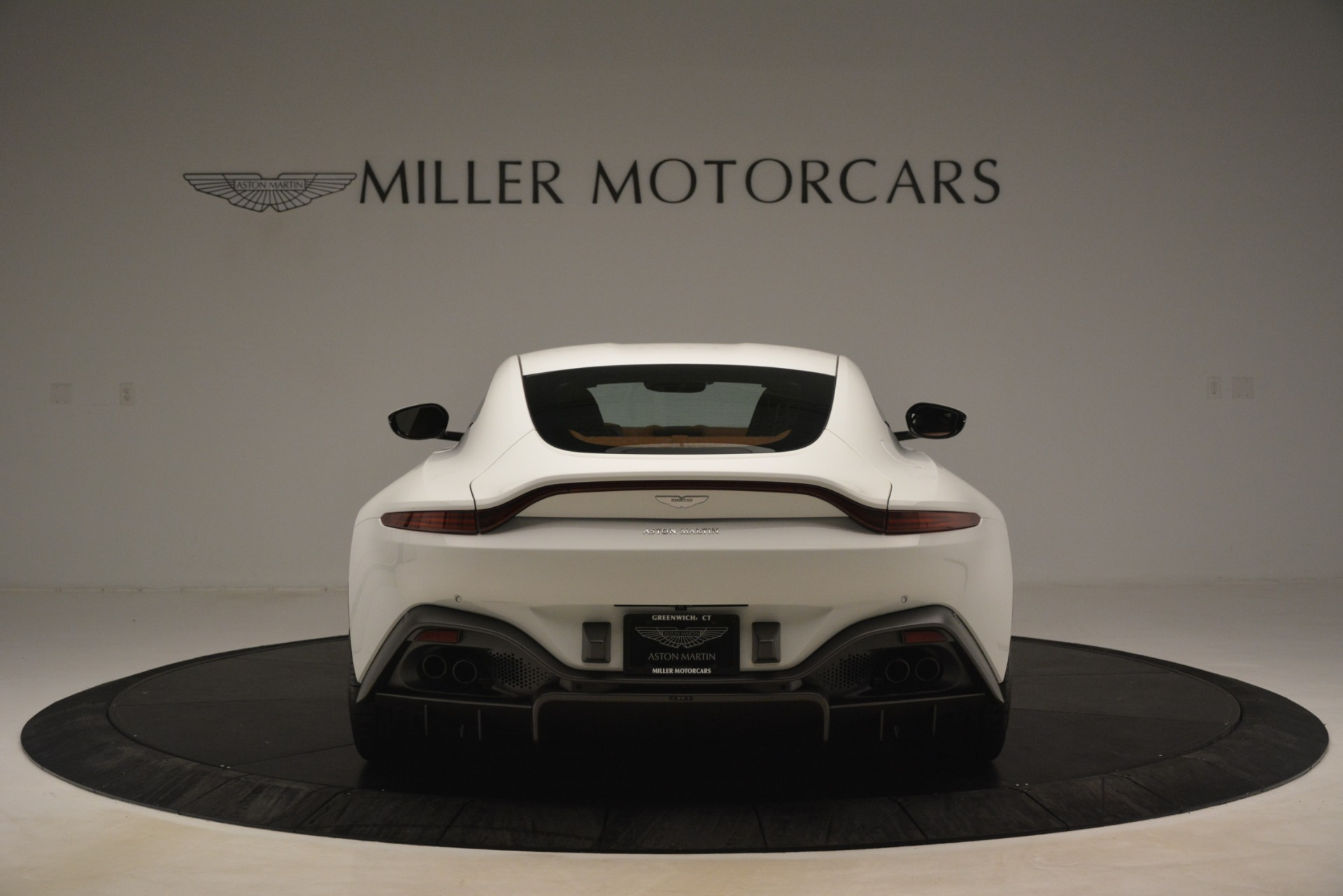 New 2019 Aston Martin Vantage Coupe For Sale In Greenwich, CT 3227_p5