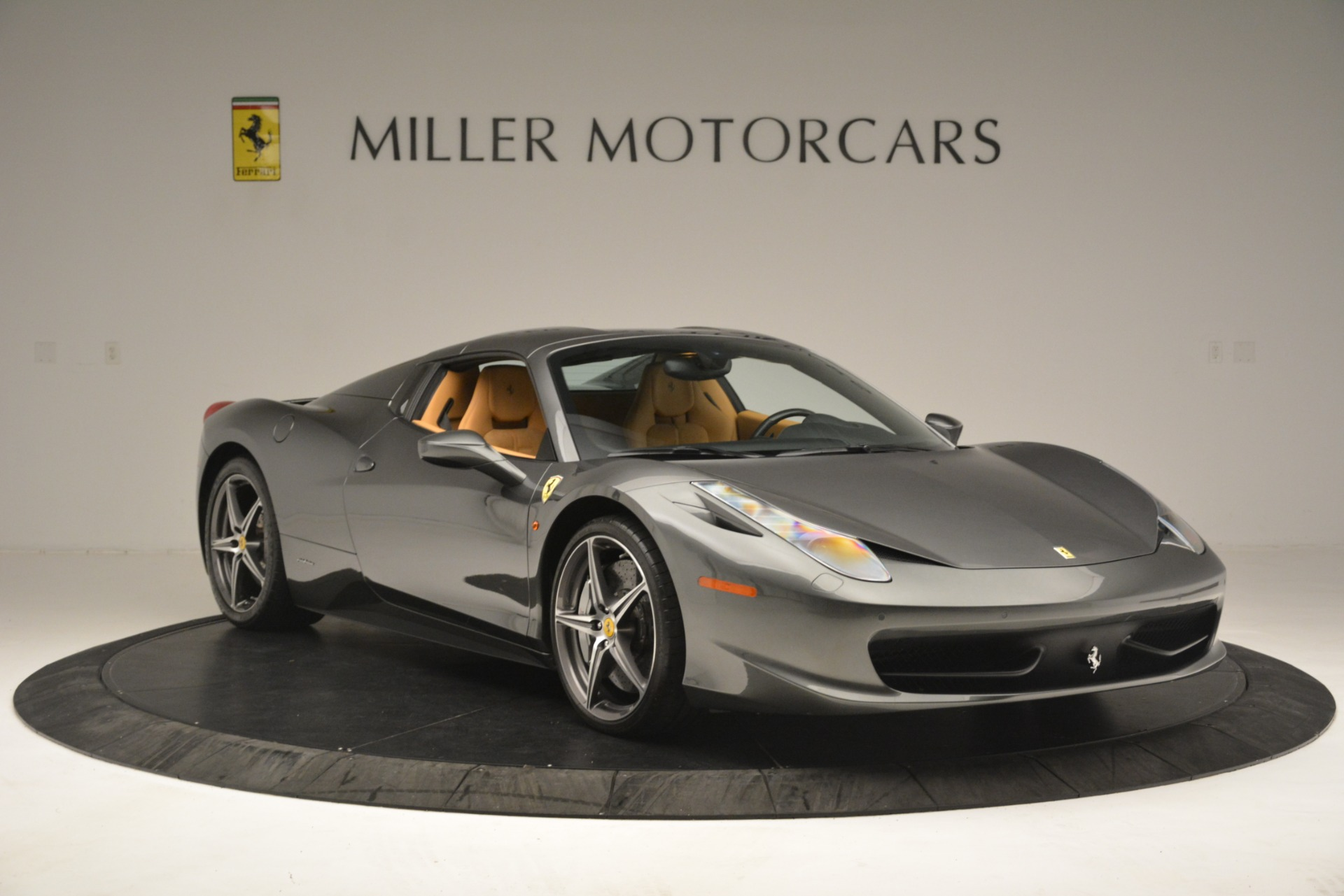 Used 2013 Ferrari 458 Spider  For Sale In Greenwich, CT 3232_p13