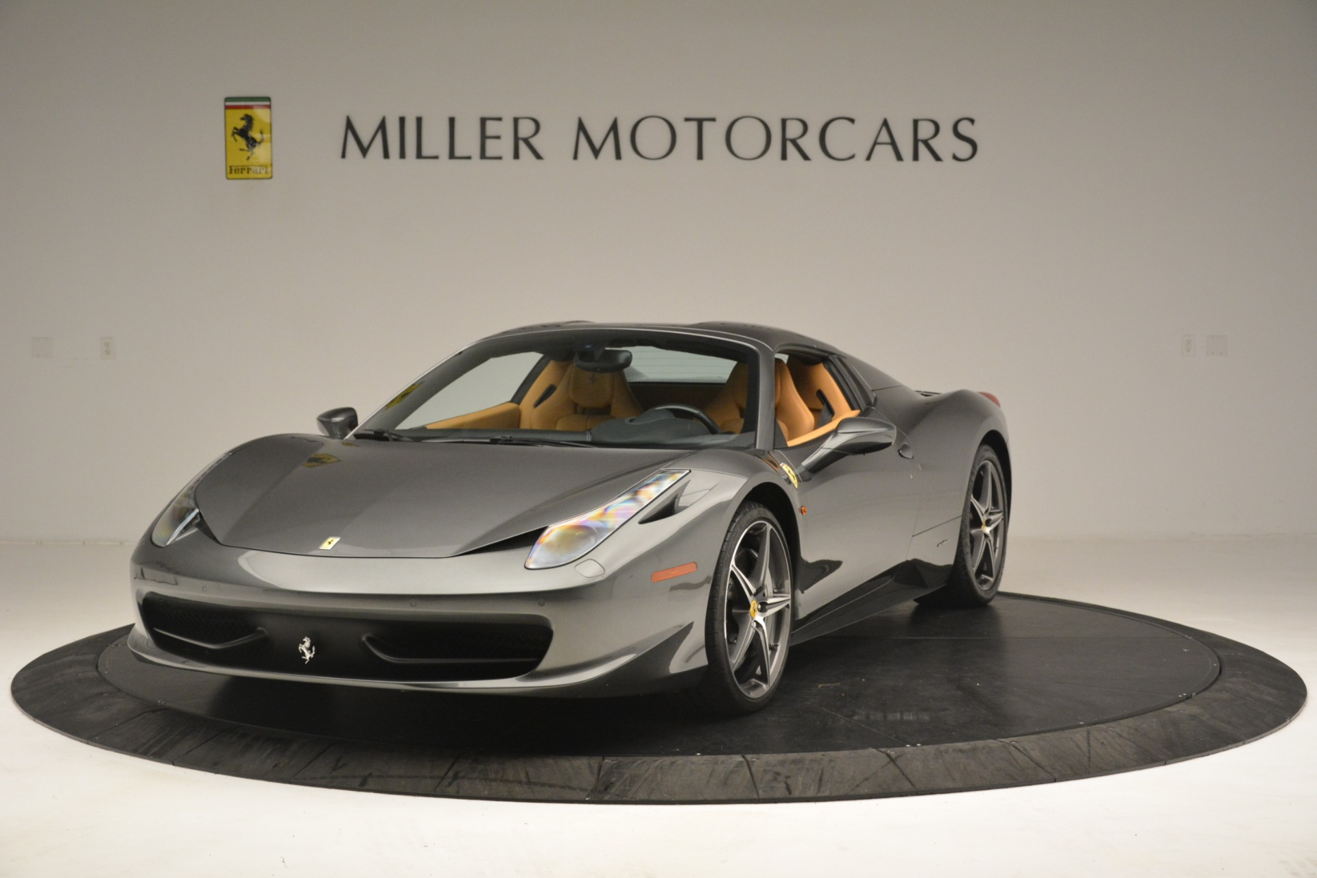 Used 2013 Ferrari 458 Spider  For Sale In Greenwich, CT 3232_p14