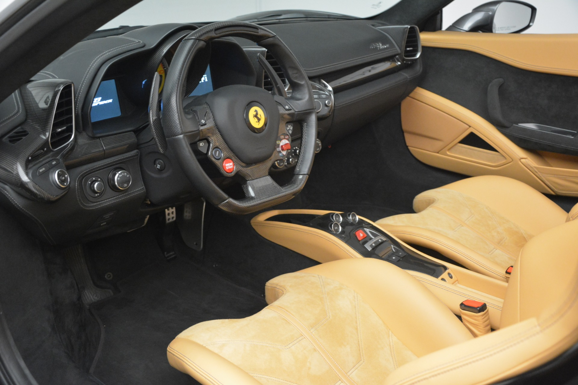 Used 2013 Ferrari 458 Spider  For Sale In Greenwich, CT 3232_p17