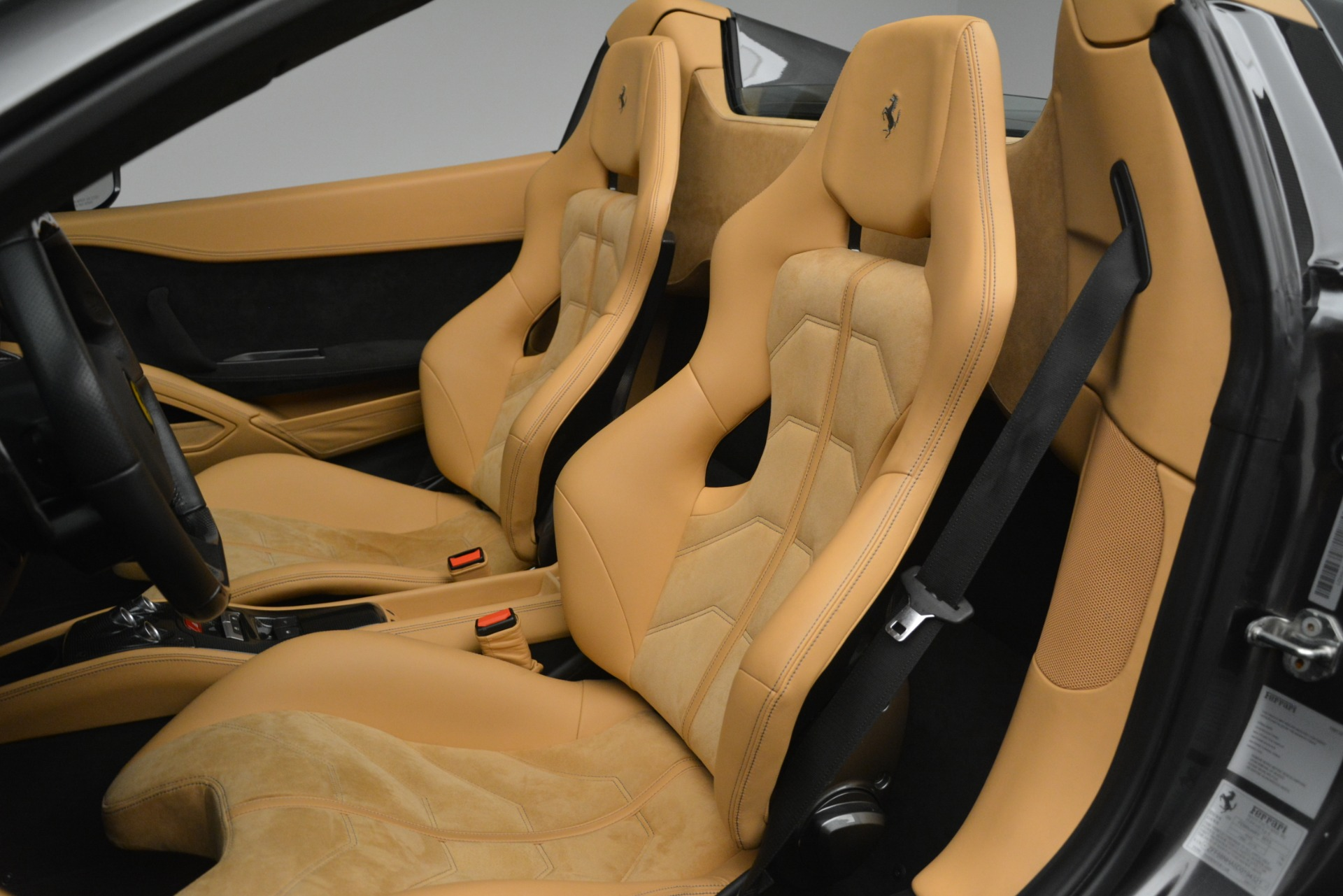 Used 2013 Ferrari 458 Spider  For Sale In Greenwich, CT 3232_p19