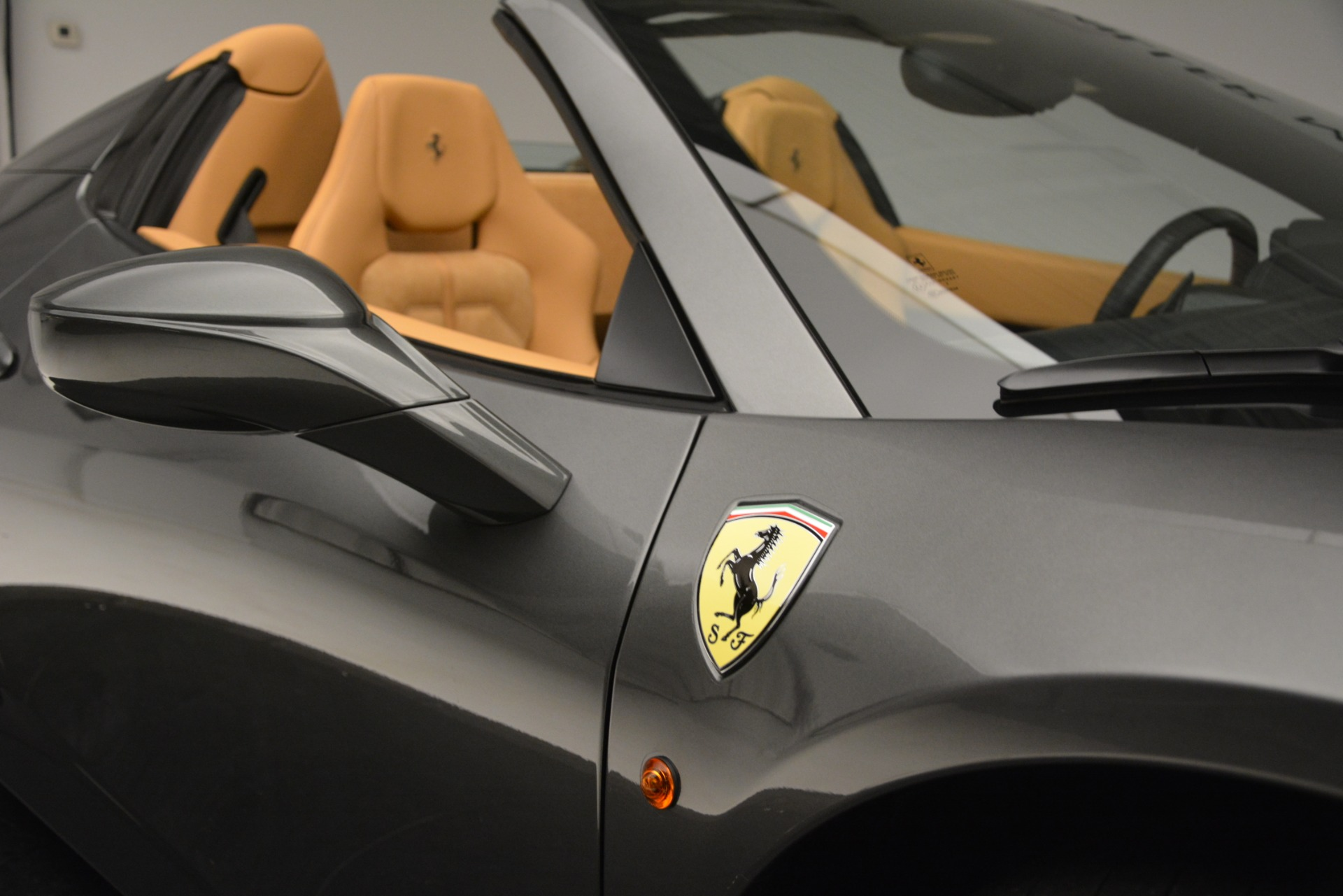 Used 2013 Ferrari 458 Spider  For Sale In Greenwich, CT 3232_p28