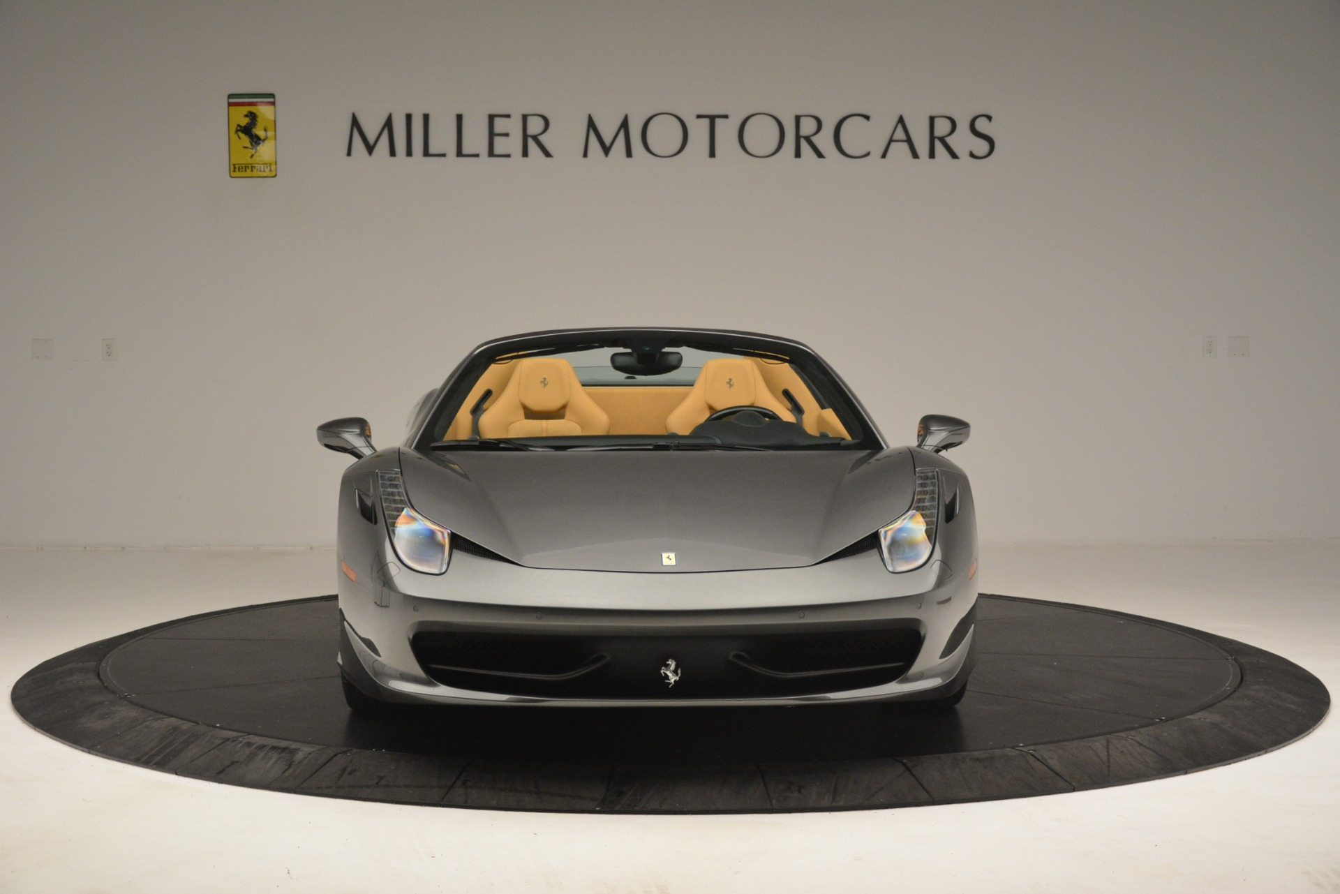 Used 2013 Ferrari 458 Spider  For Sale In Greenwich, CT 3232_p6