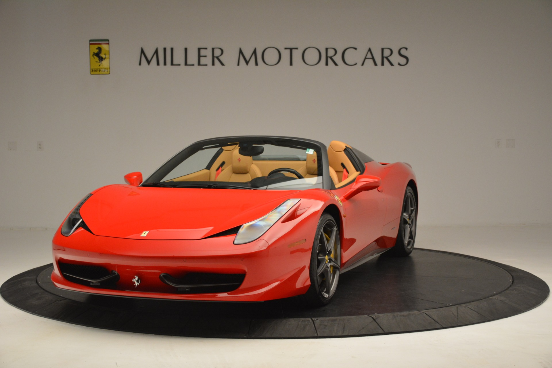 Used 2015 Ferrari 458 Spider  For Sale In Greenwich, CT 3233_main