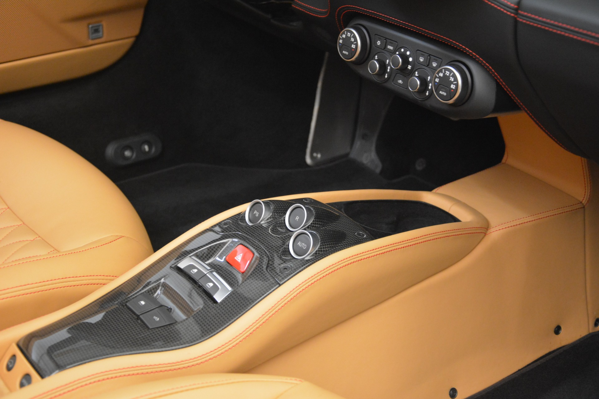 Used 2015 Ferrari 458 Spider  For Sale In Greenwich, CT 3233_p28